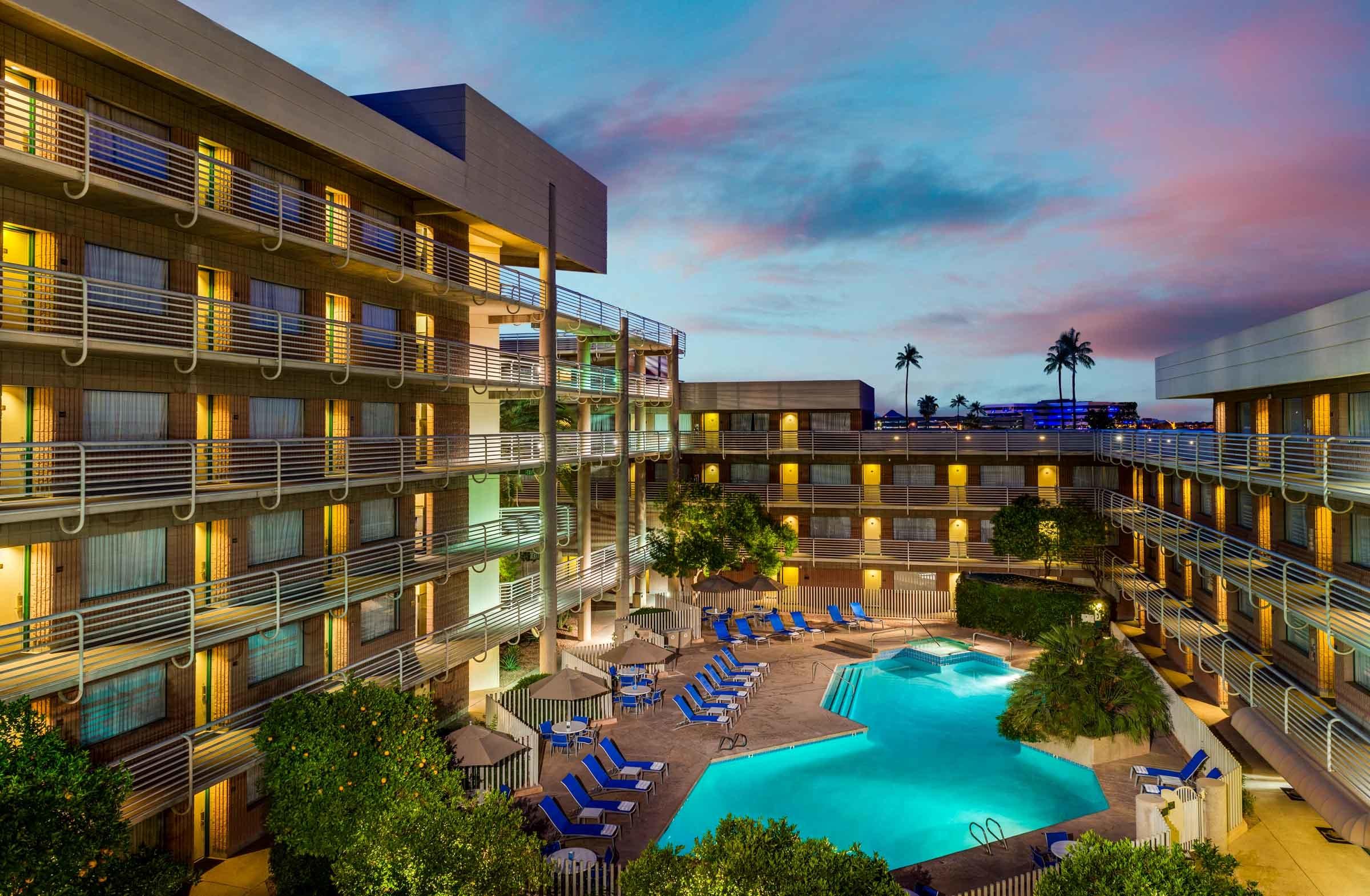 Hotels Near Phoenix Az