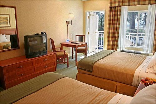 Holiday Inn Express & Suites Coeur D Alene I-90 Exit 11 image 1