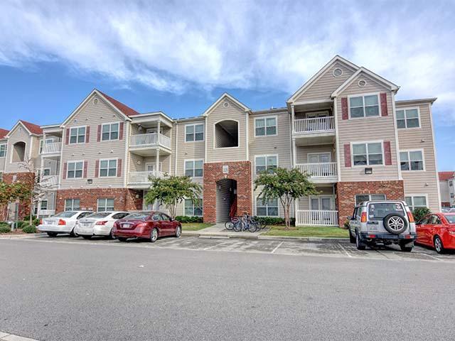 Apartment Building in NC Wilmington 28403 Aspire 349 349 Campus Cove  (910)338-2887