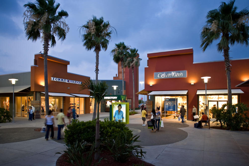 Outlets in Mercedes on paydayloansboise.gq See reviews, photos, directions, phone numbers and more for the best Outlet Malls in Mercedes, TX. Start your search by typing in the business name below.