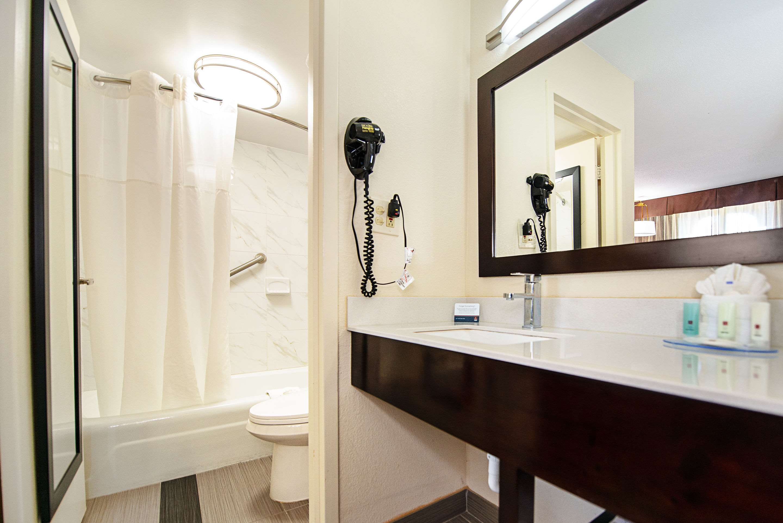 Clarion Inn & Suites New Hope-Lambertville