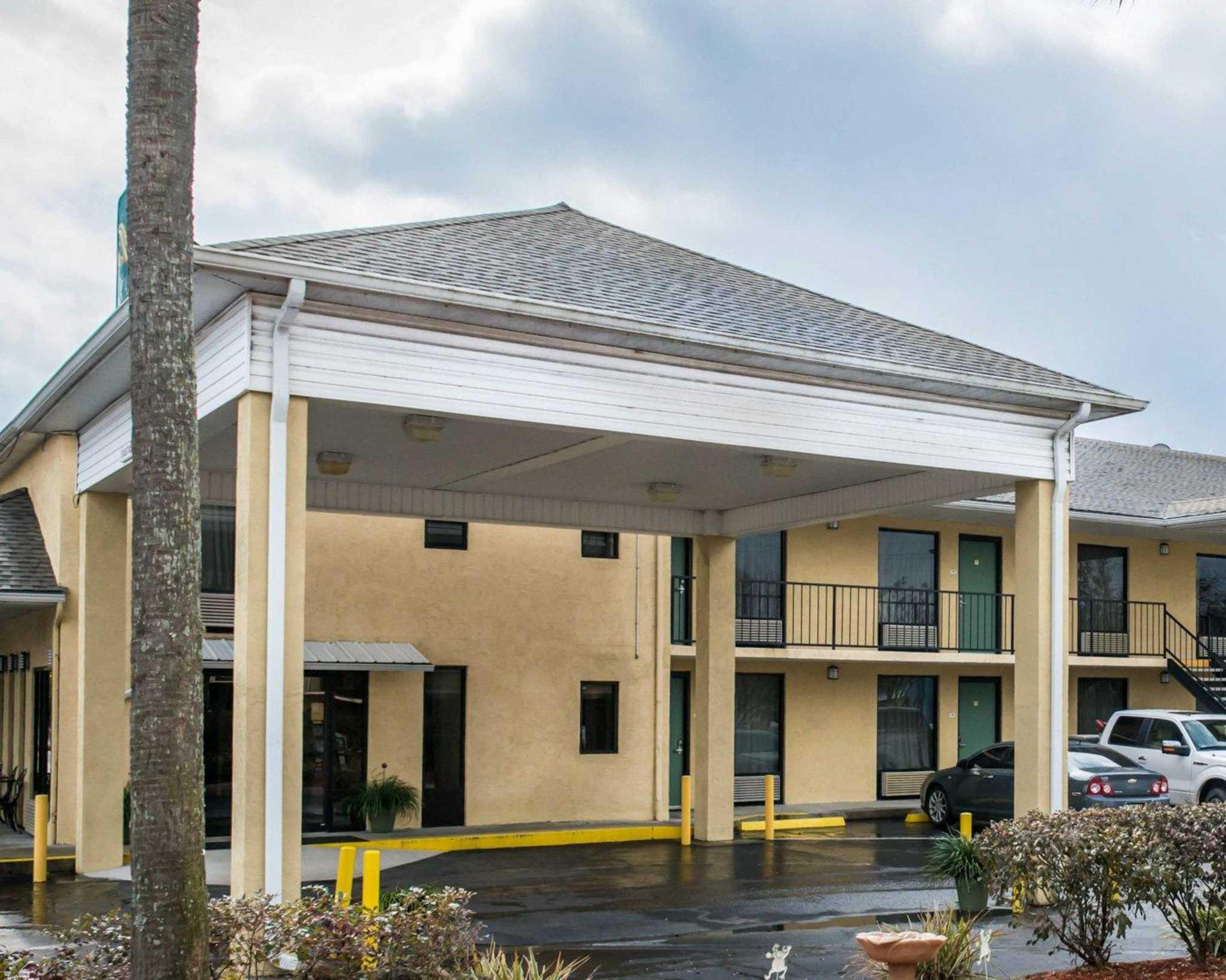 Pet Friendly Hotels Near Live Oak Fl