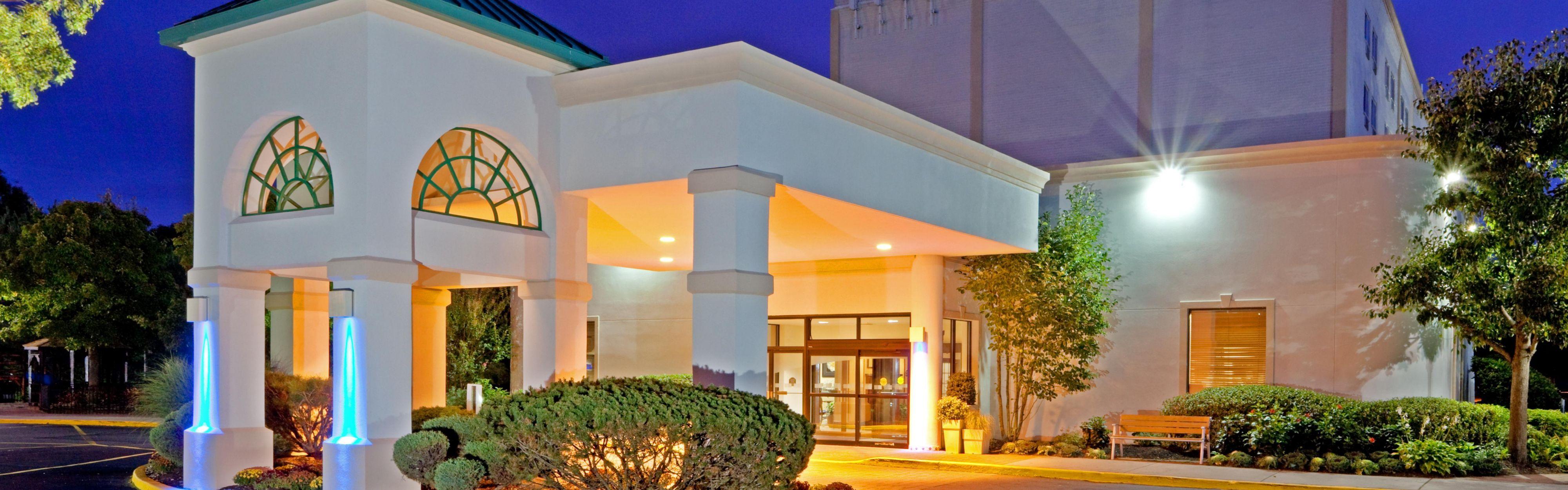 Hotels Near Centereach Ny