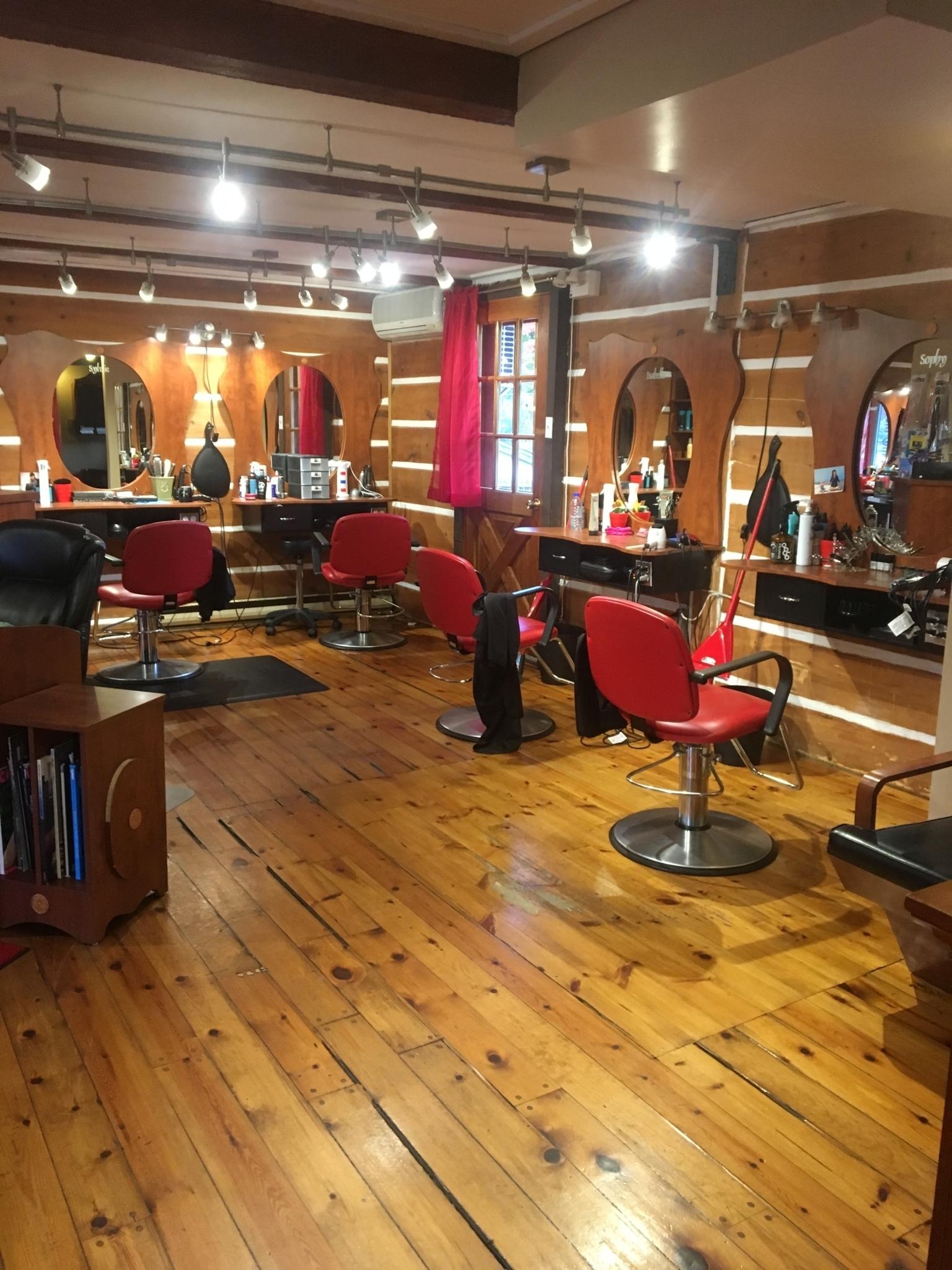 Salon Nansy Coiffure Elle & Lui Inc à Repentigny