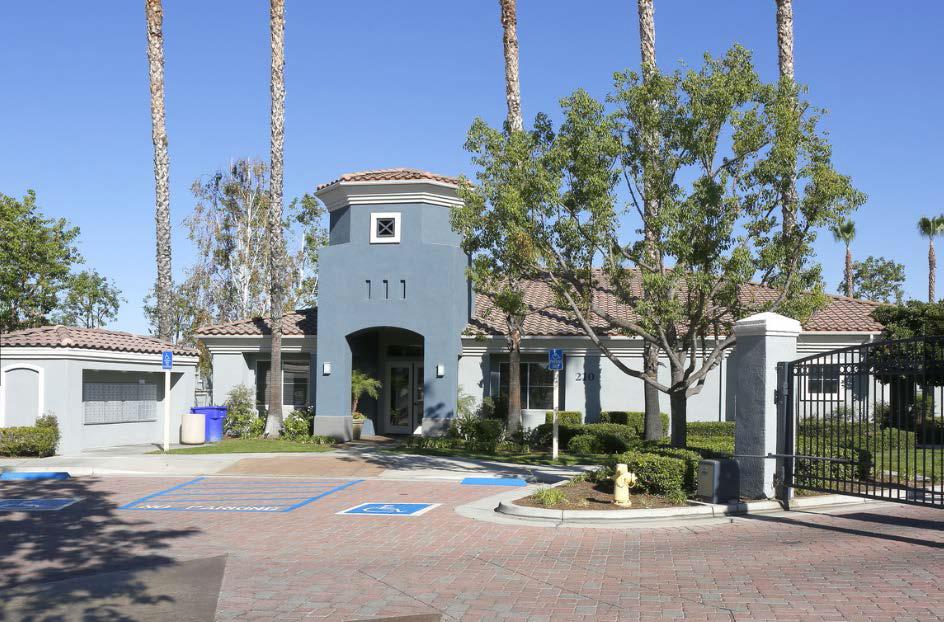 Estancia apartment homes riverside california ca for Estancia homes