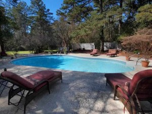 AT LAKE NORMAN SIGNATURE POOLS & PATIOS, WE CAN TURN YOUR MOORESVILLE HOUSE INTO A DREAM HOME WITH POOL DECK PAVING!