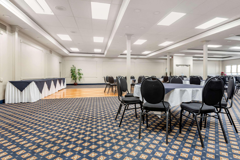 Event space Quality Inn Sarnia (519)344-1157