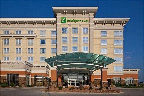 Holiday Inn Hotel Suites West Des Moines Jordan Creek In West Des Moine