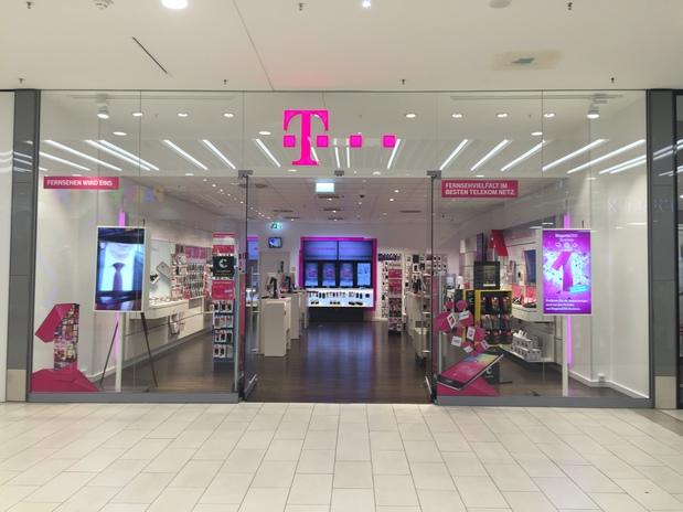 Kundenbild groß 1 Telekom Shop