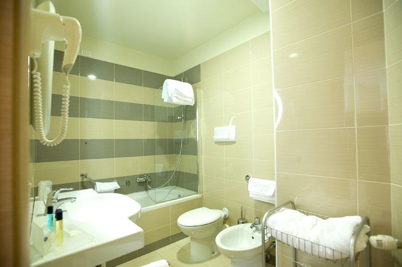 Regal Hotel & Apartments