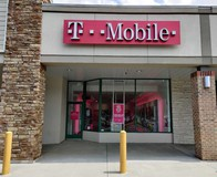 Exterior photo of T-Mobile Store at Maple Ave W & Courthouse Rd SW, Vienna, VA