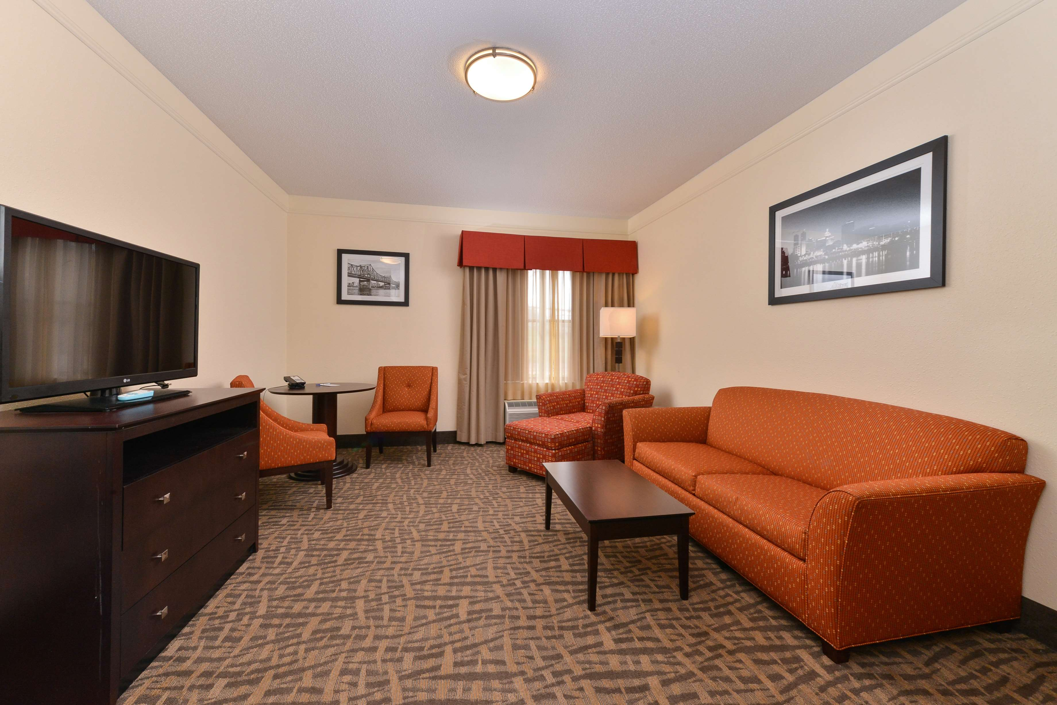 east peoria chat rooms Embassy suites by hilton e peoria riverfront conf center in east peoria on hotelscom and earn rewards nights  east peoria, guest room 6 .