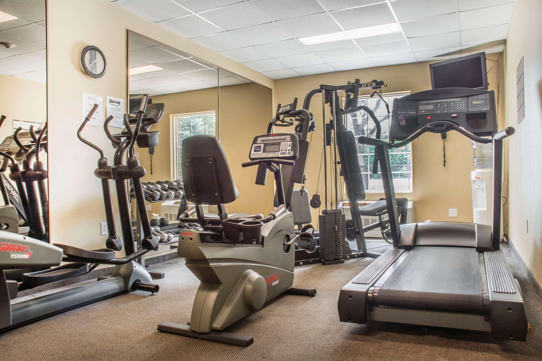 Exercise room Comfort Inn Sarnia (519)383-6767