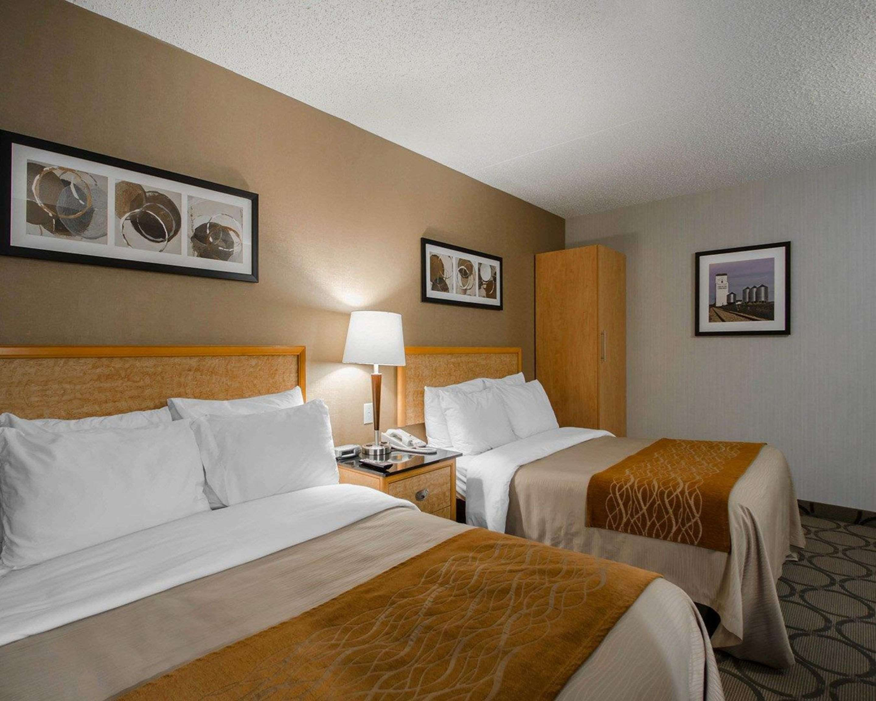 Comfort Inn in Prince Albert: Guest room with double beds