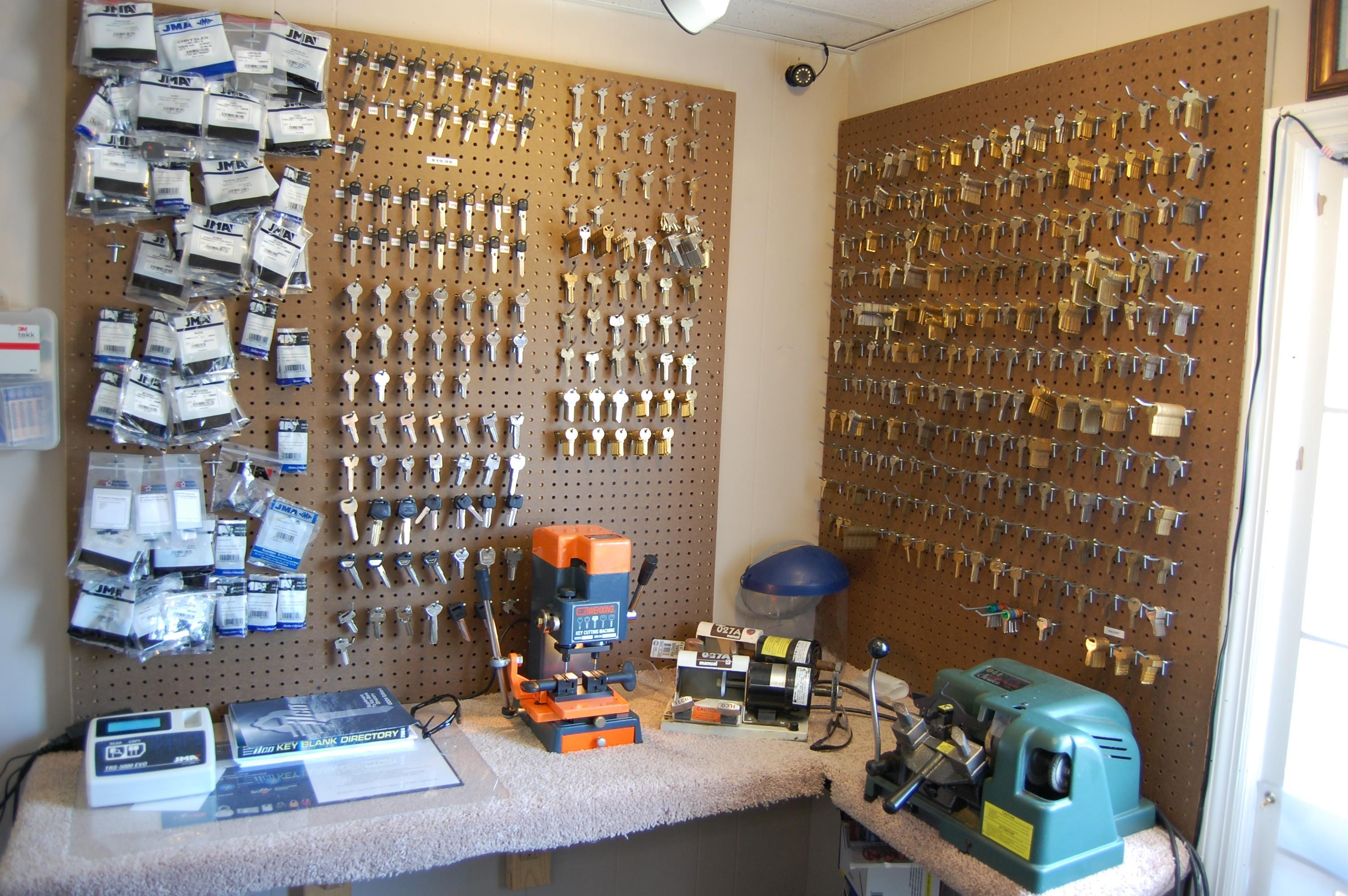 Apex Lock and Key Locksmith image 1