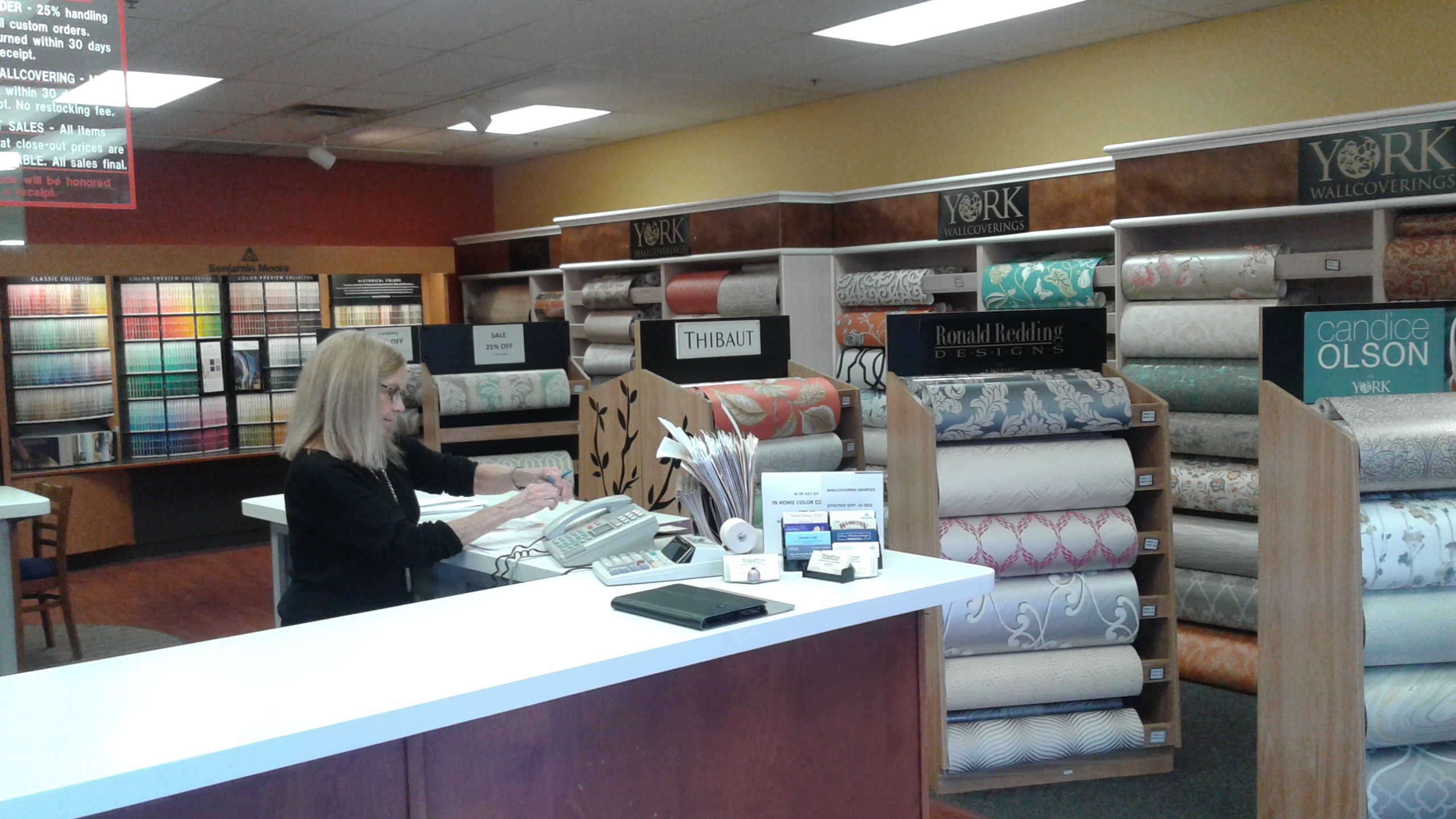Hikes point paint and wallpaper east louisville kentucky for Local wallpaper shops