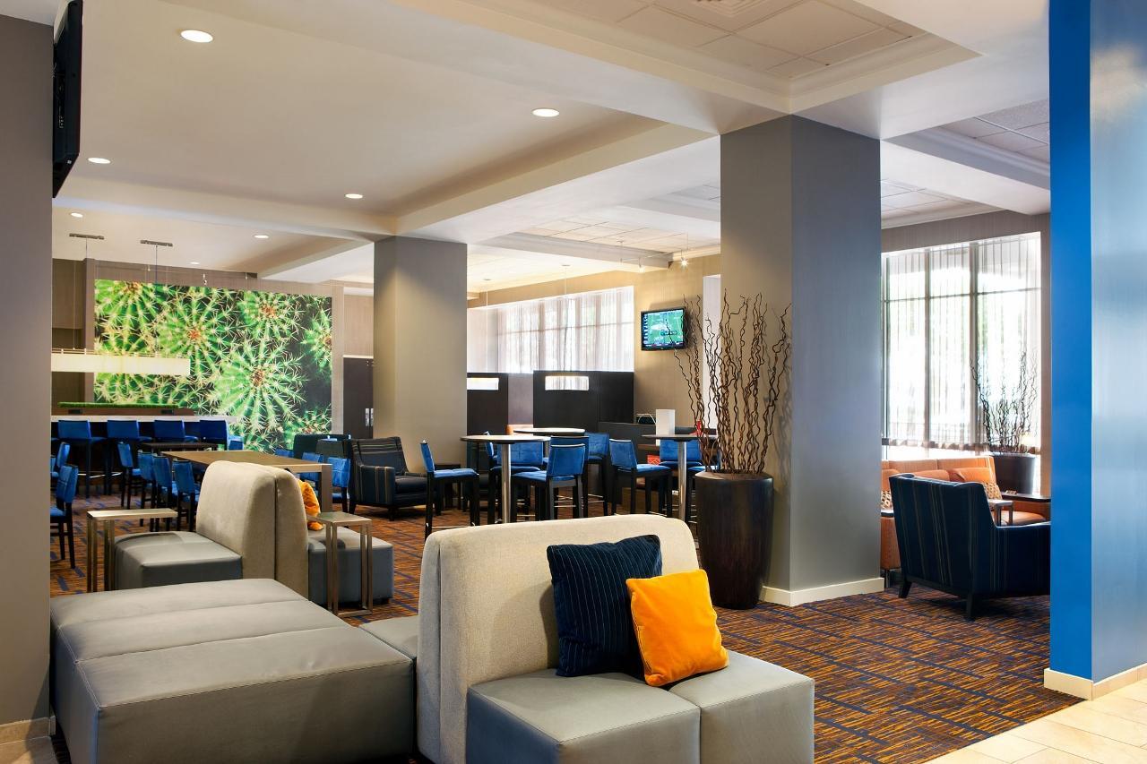 Courtyard Marriott Chicago Room Service Menu