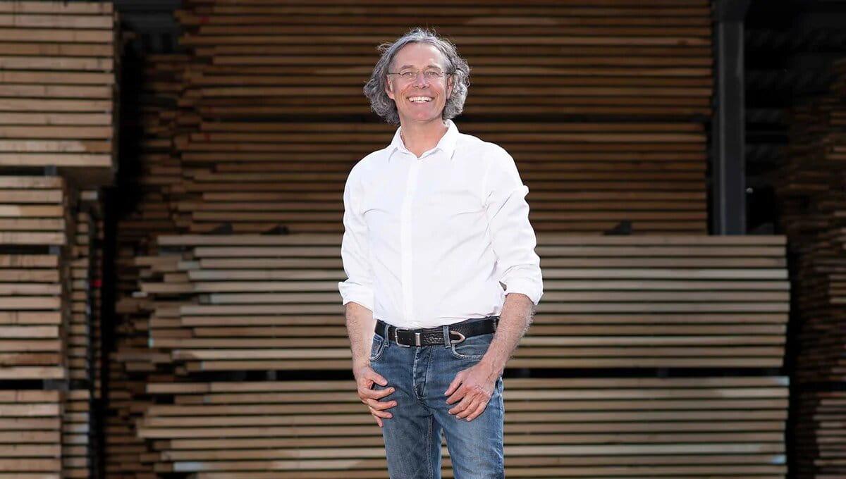 HUGO KÄMPF - Wir sind Eiche. Wir sind ein führendes Familienunternehmen im Holzhandel. Hohe Qualität | zertifiziertes Holz | überdurchschnittliche Standards