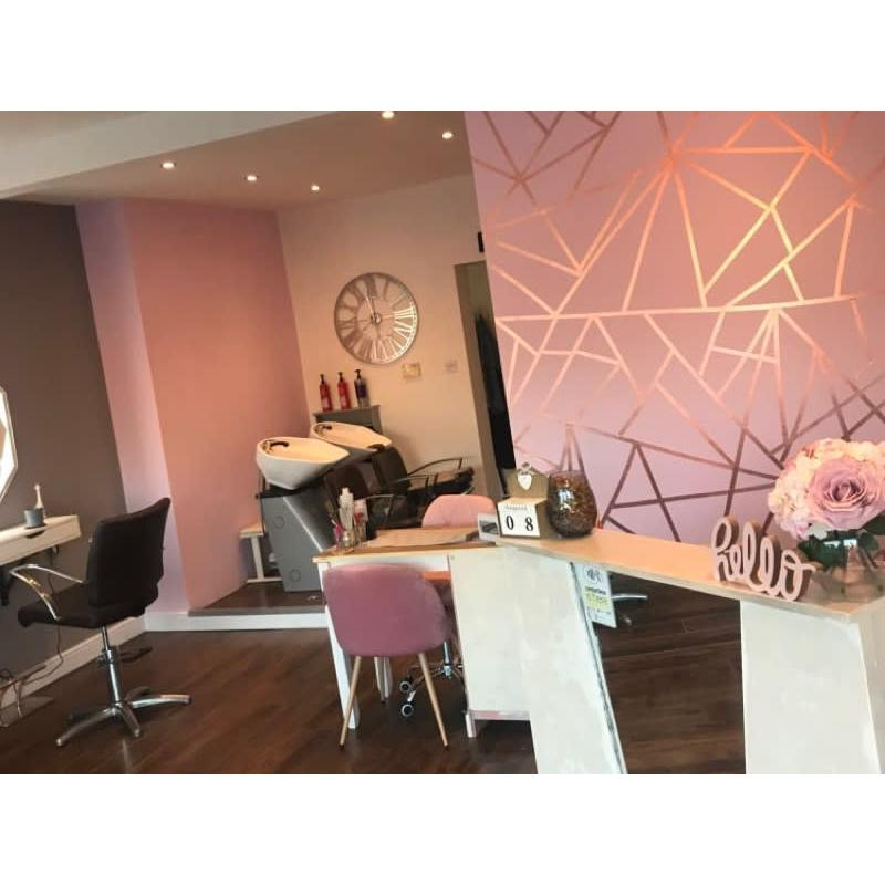Mirror Mirror Hair & Beauty Studio Ltd - Deeside, Clwyd  - 01244 830177 | ShowMeLocal.com