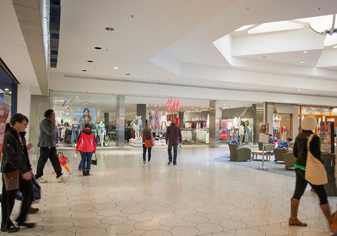 Briarwood Mall is located three miles south of downtown Ann Arbor, Michigan, just off State Street and I, and it is the retail hub of Ann Arbor. Its anchors include Macy's, Von Maur, JCPenney and Sears.3/5(70).