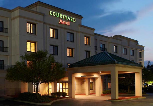 Courtyard by marriott buffalo amherst university buffalo for Jared the galleria of jewelry amherst ny