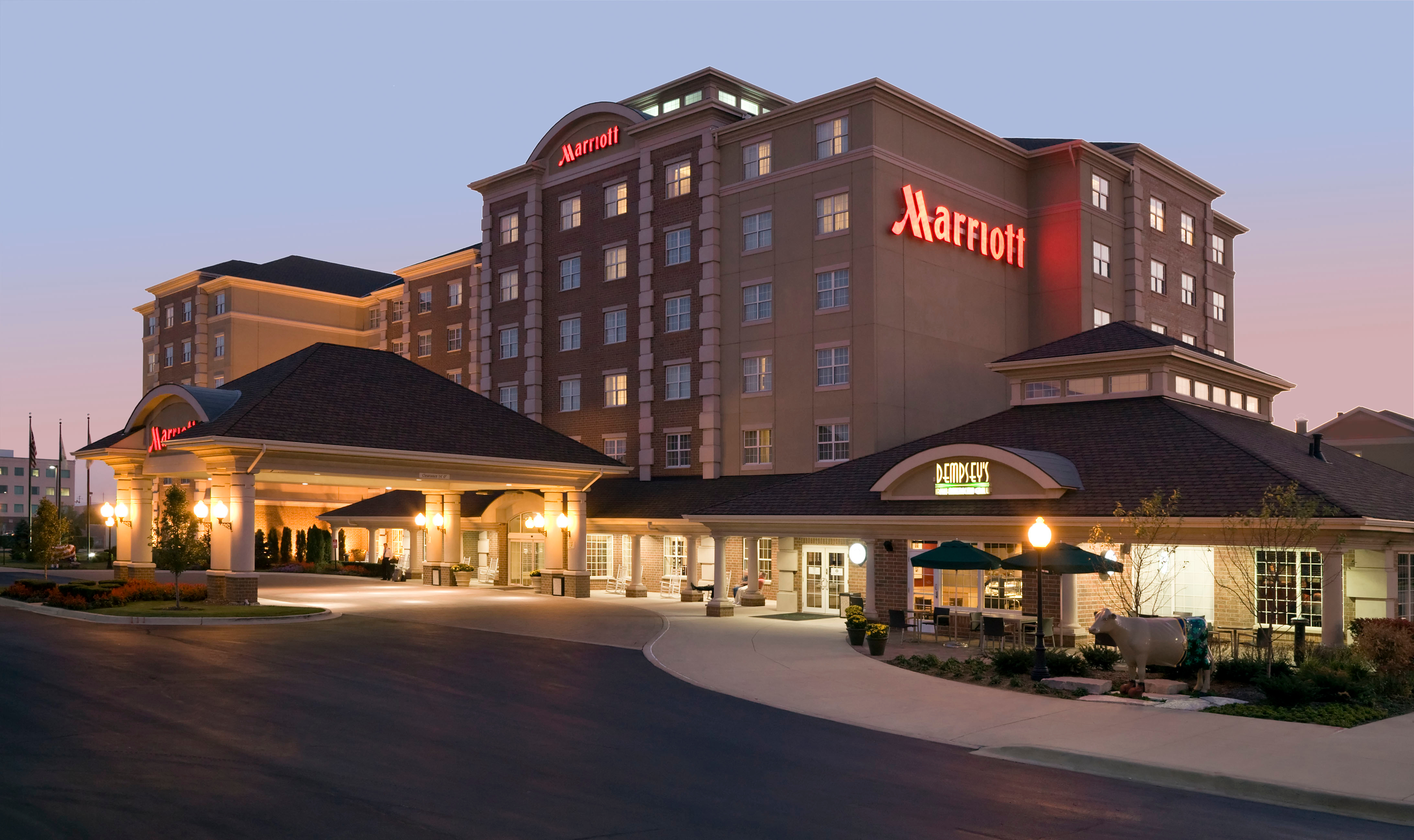 Chicago marriott midway chicago il for Hotel accommodations chicago
