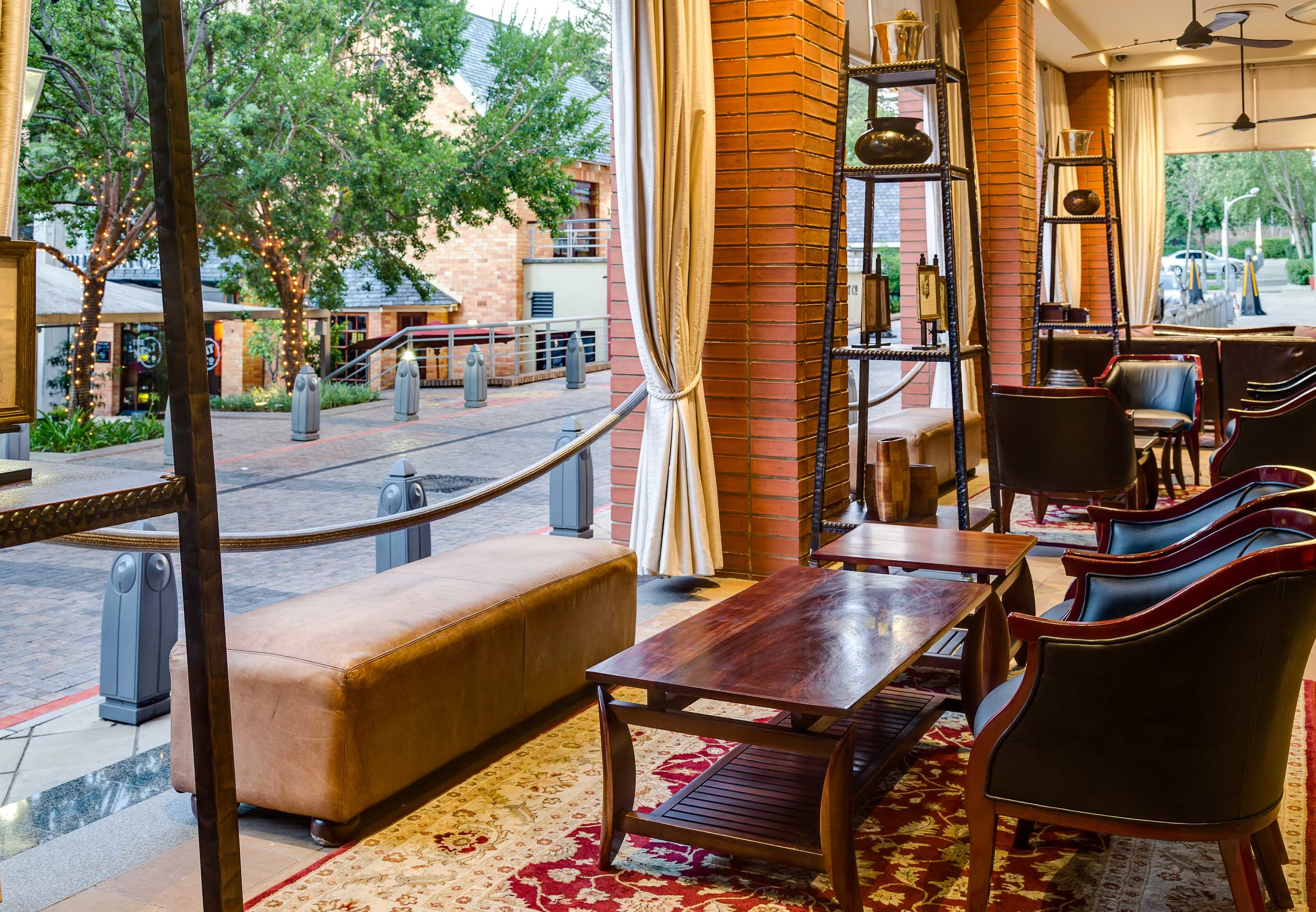 African Pride Melrose Arch, Autograph Collection