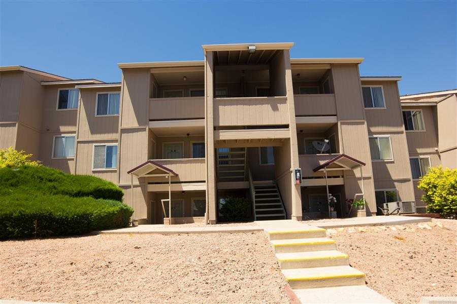 Country Club Place Apartments Hours