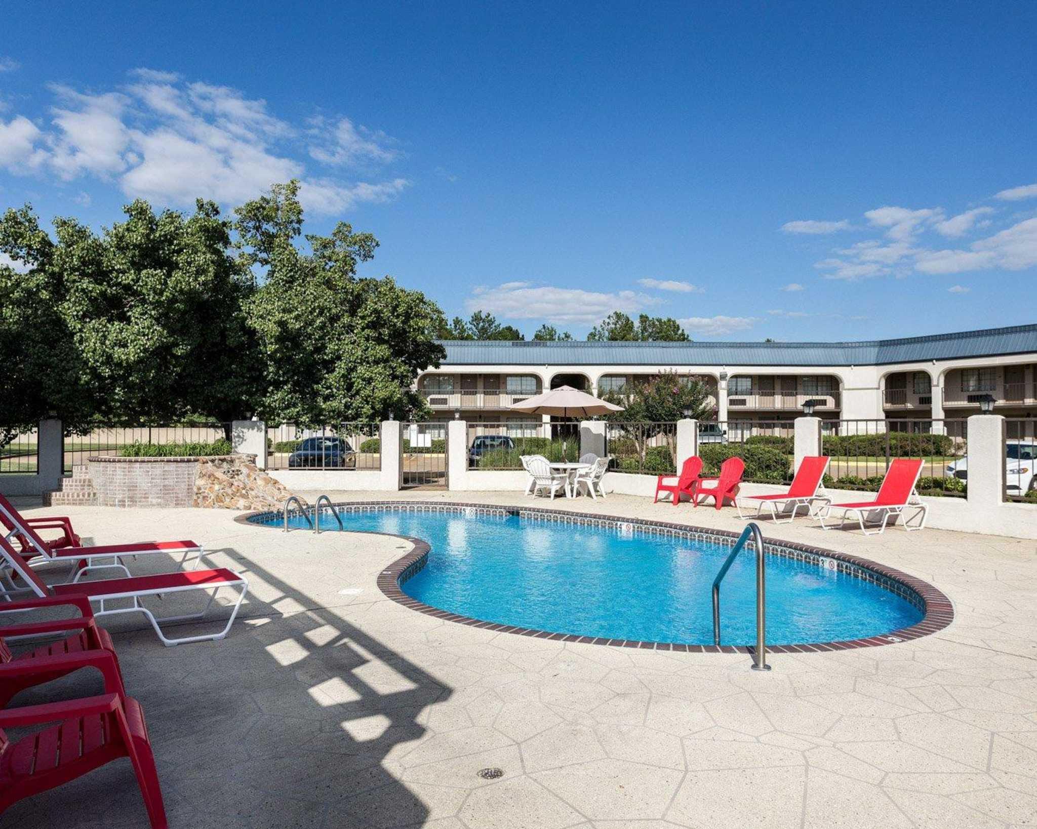 Hotels Near Grenada Ms