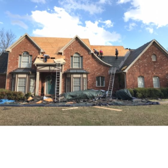 Roof replacement in Pelham, Alabama. If you have roof damage due to wind or hail call Capstone and one of our team members will inspect your roof. If your roof is old and in need of being replaced we can help. Call Capstone roofing for a free estimate for the replacement of your old roof today!
