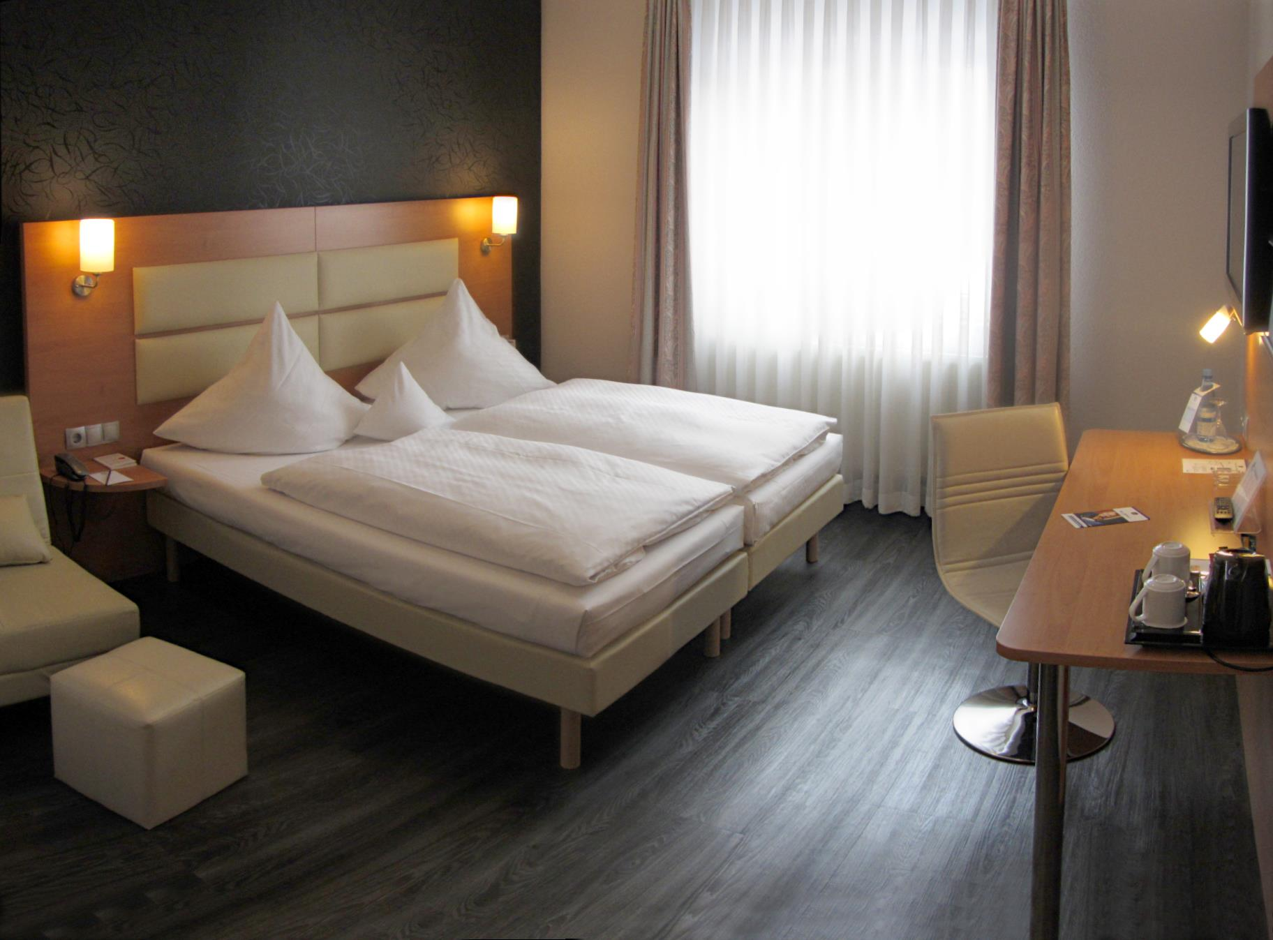 Amh Airport Messe Hotel Gmbh Filderstadt