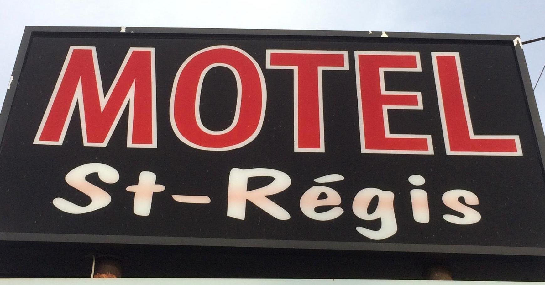 Hôtel & Motel St-Régis in Danville