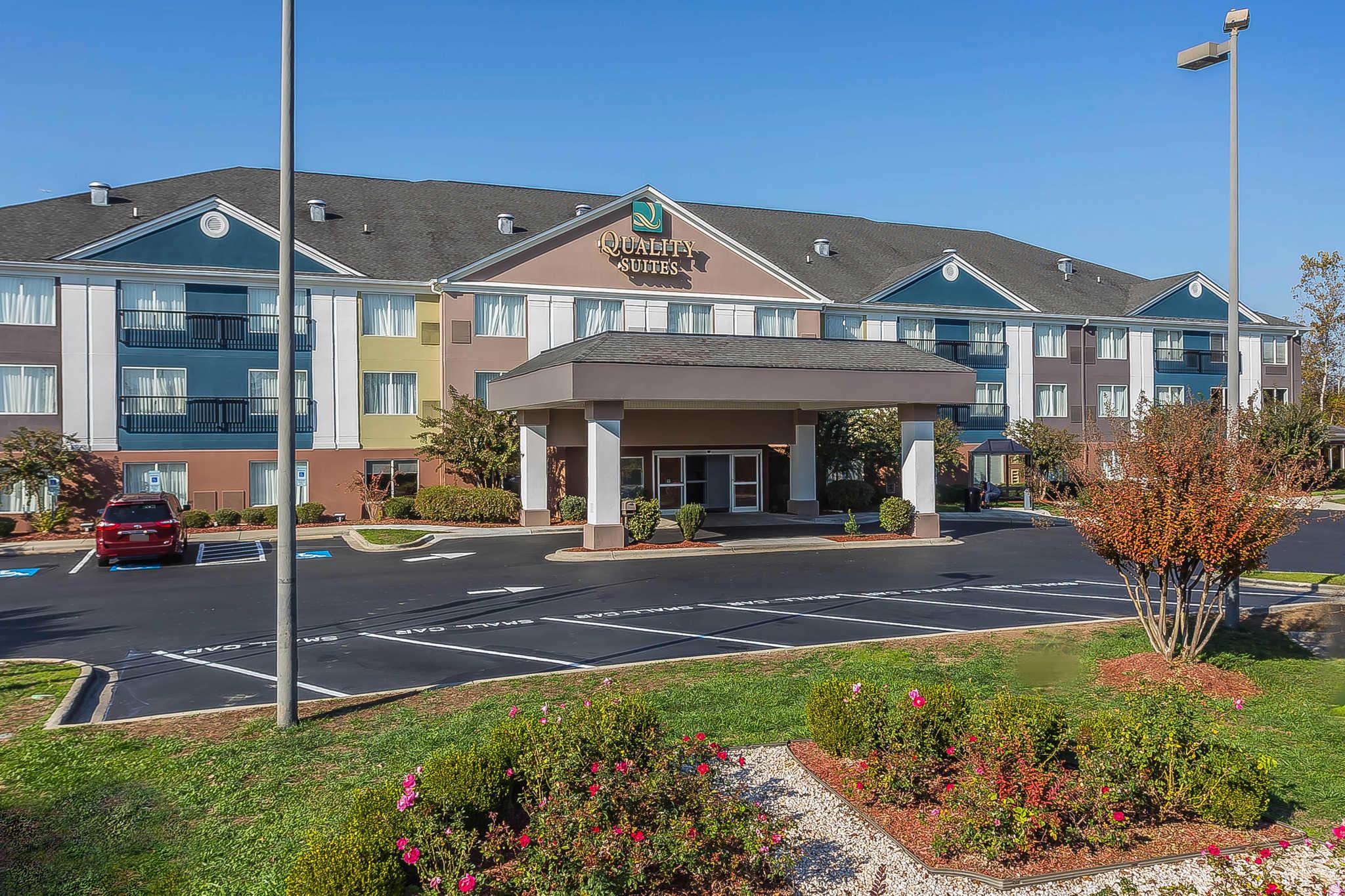 Quality suites pineville charlotte pineville north - Hilton garden inn charlotte pineville ...