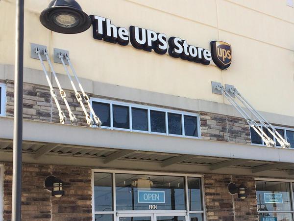 The Ups Store The Village At Eldorado Shipping Packing Printing