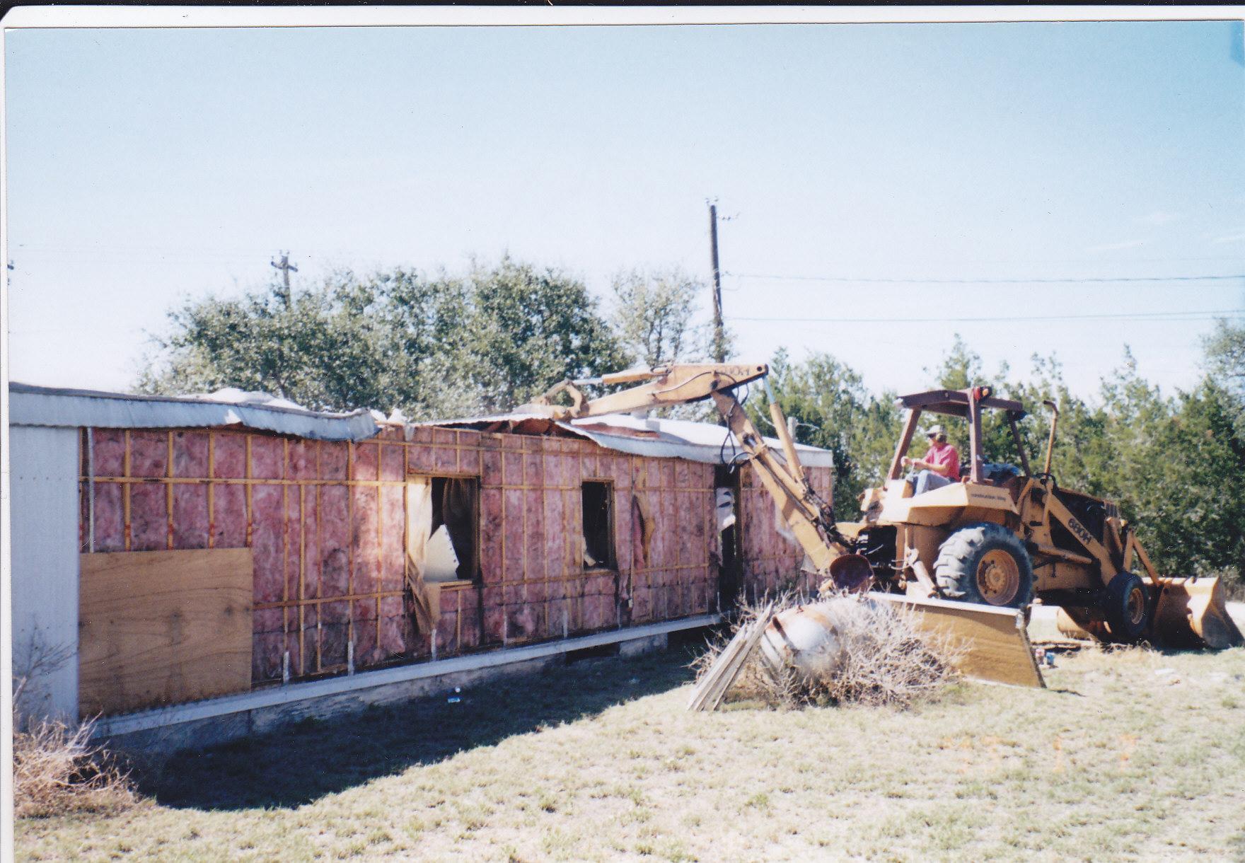 Dave 39 s mobile home rv repair in cedar creek tx 78612 for Cedar creek siding reviews