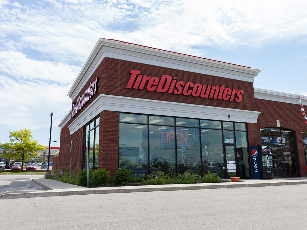 Goodyear Tire Store Near Me >> Tire Discounters - Lexington, KY | www.tirediscounters.com/store/man-o-war-place | 859-410-2553