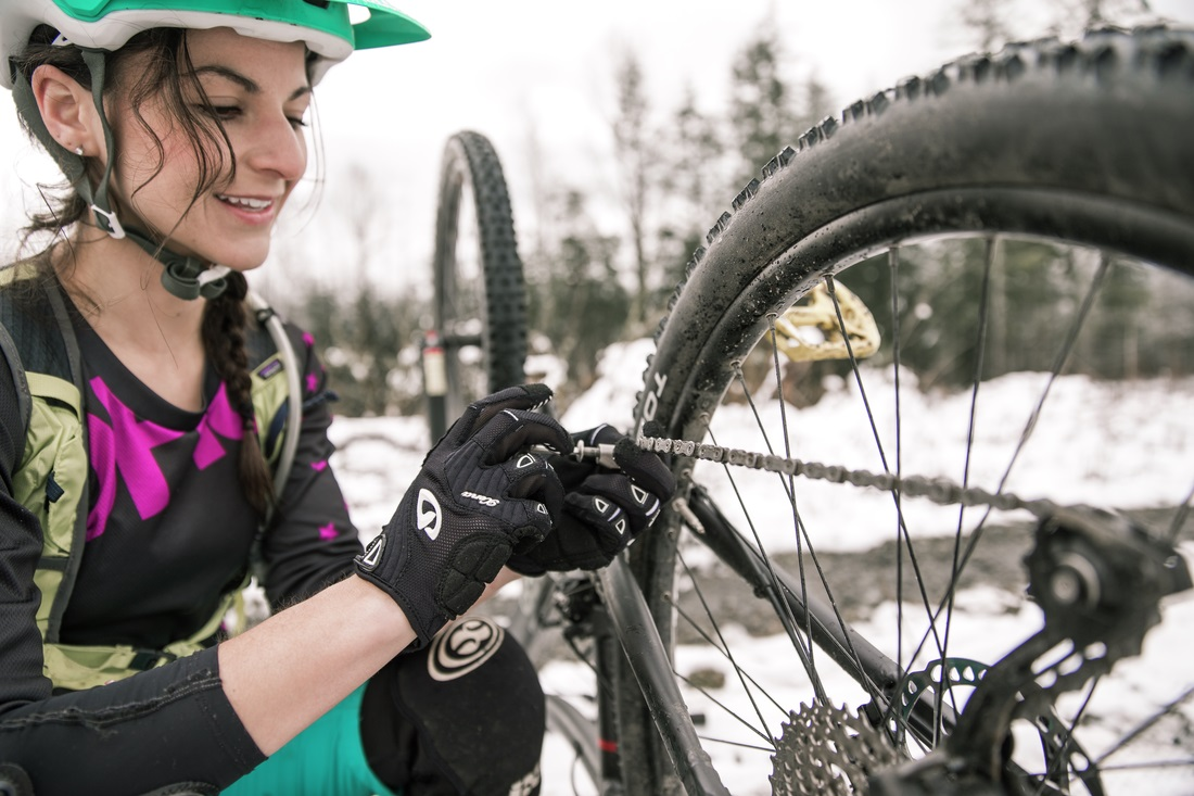 Women's Trailside Bike Repair Workshop