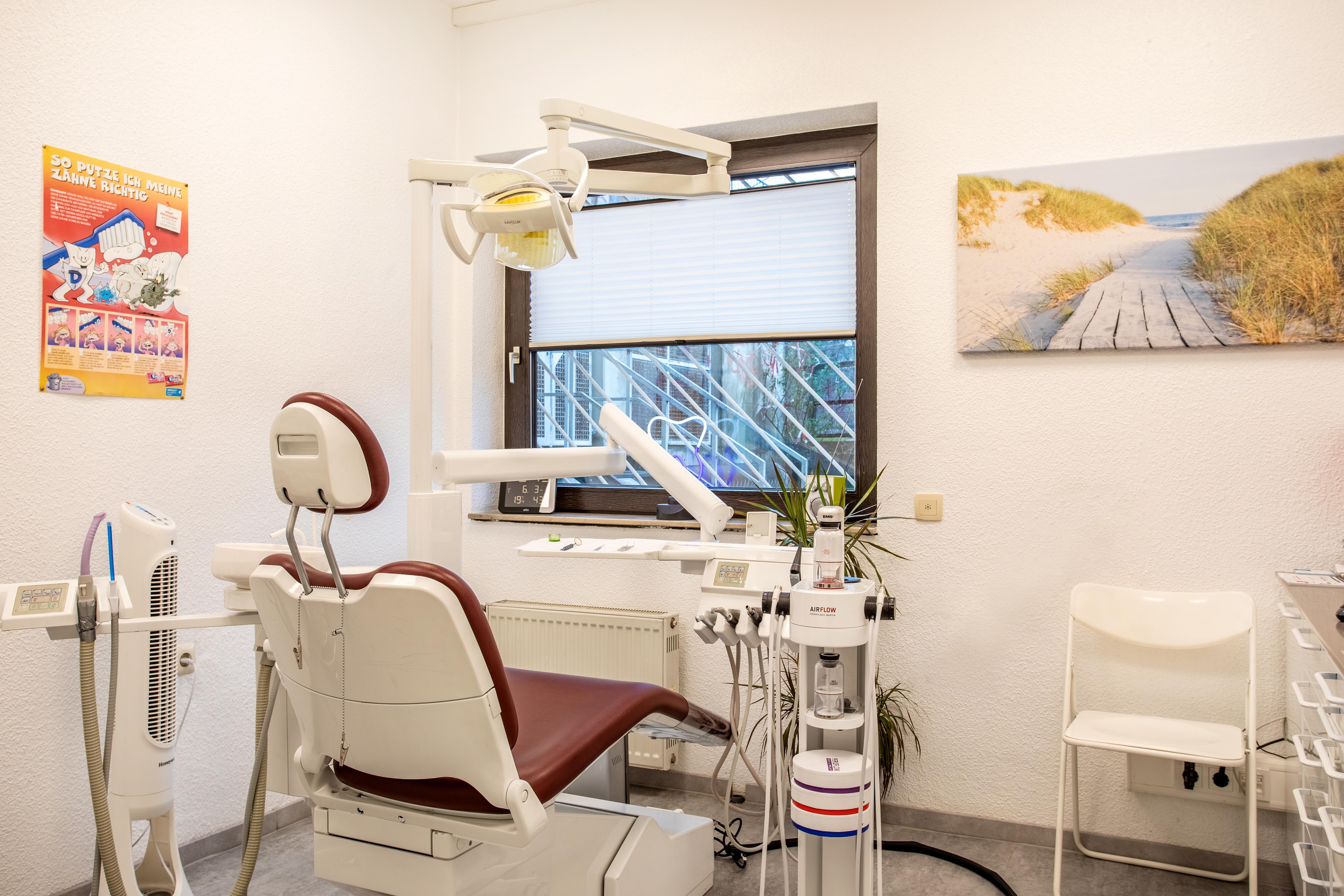 Zahnarztpraxis Werner Roskothen Essen