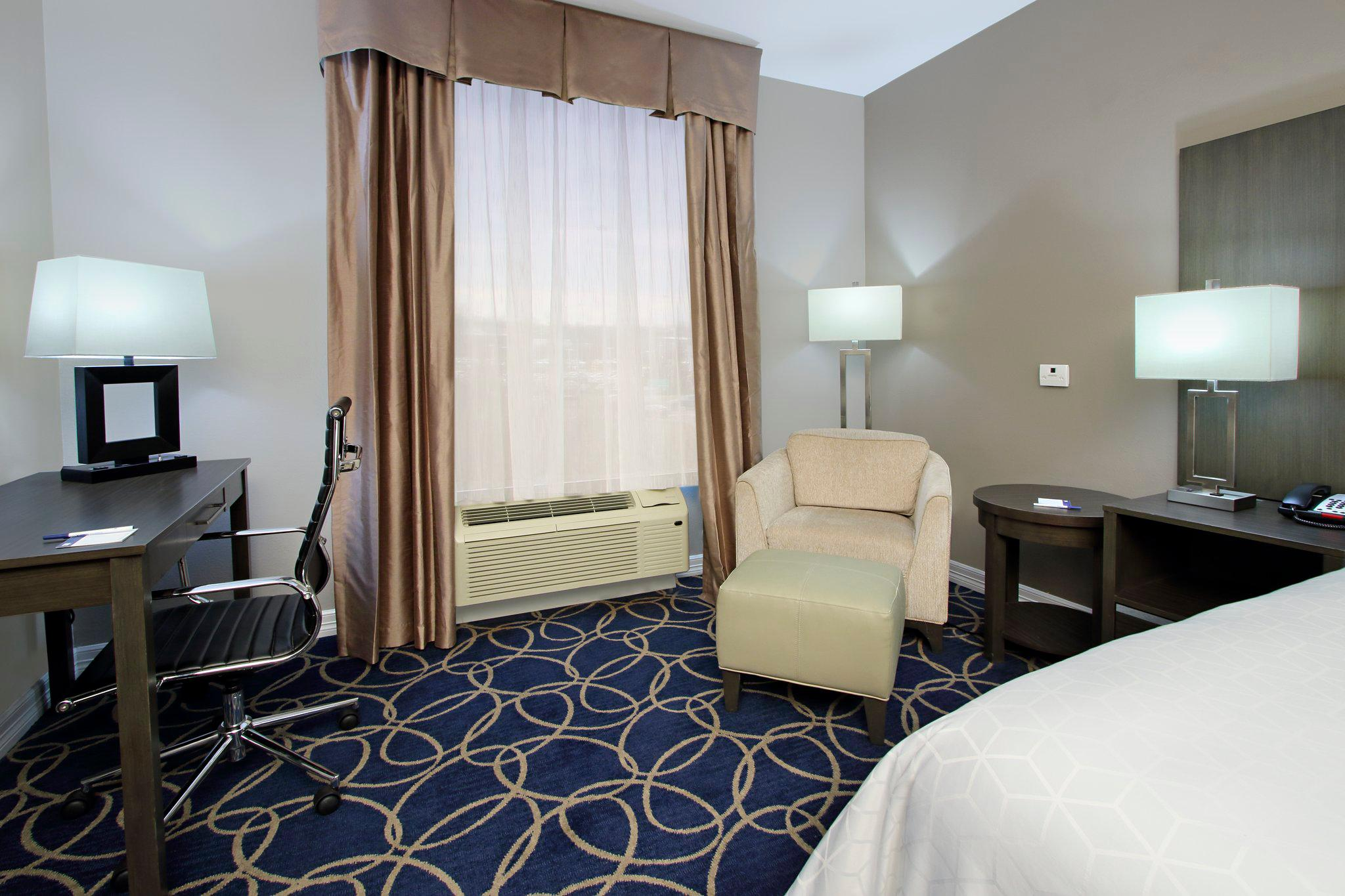 Holiday Inn Express & Suites Houston North - IAH Area, an IHG Hotel