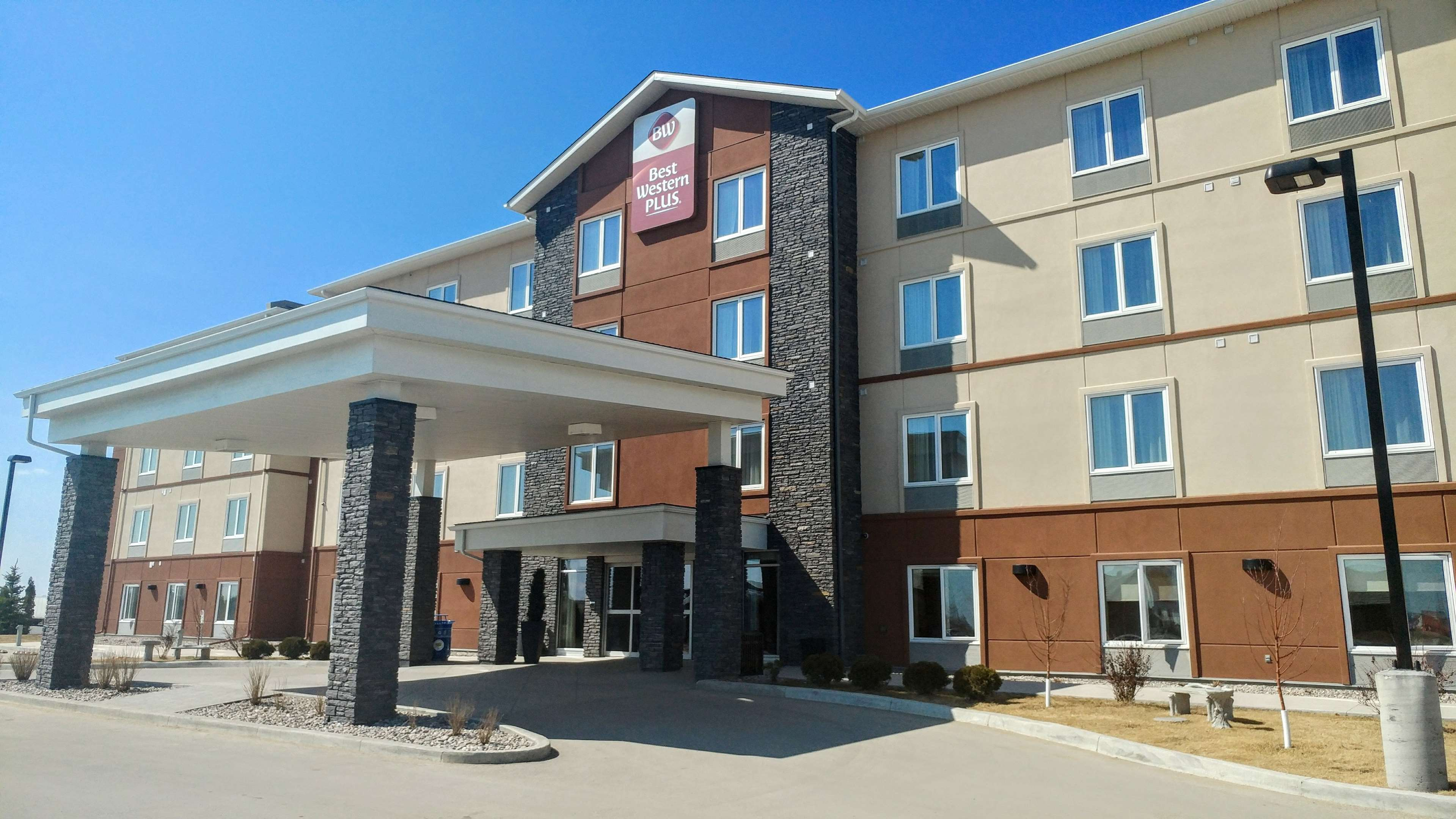 Extrerior Best Western Plus Winnipeg West Headingley (204)594-2200