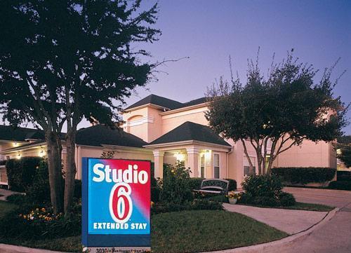 Studio 6 Ft Lauderdale - Coral Springs image 1