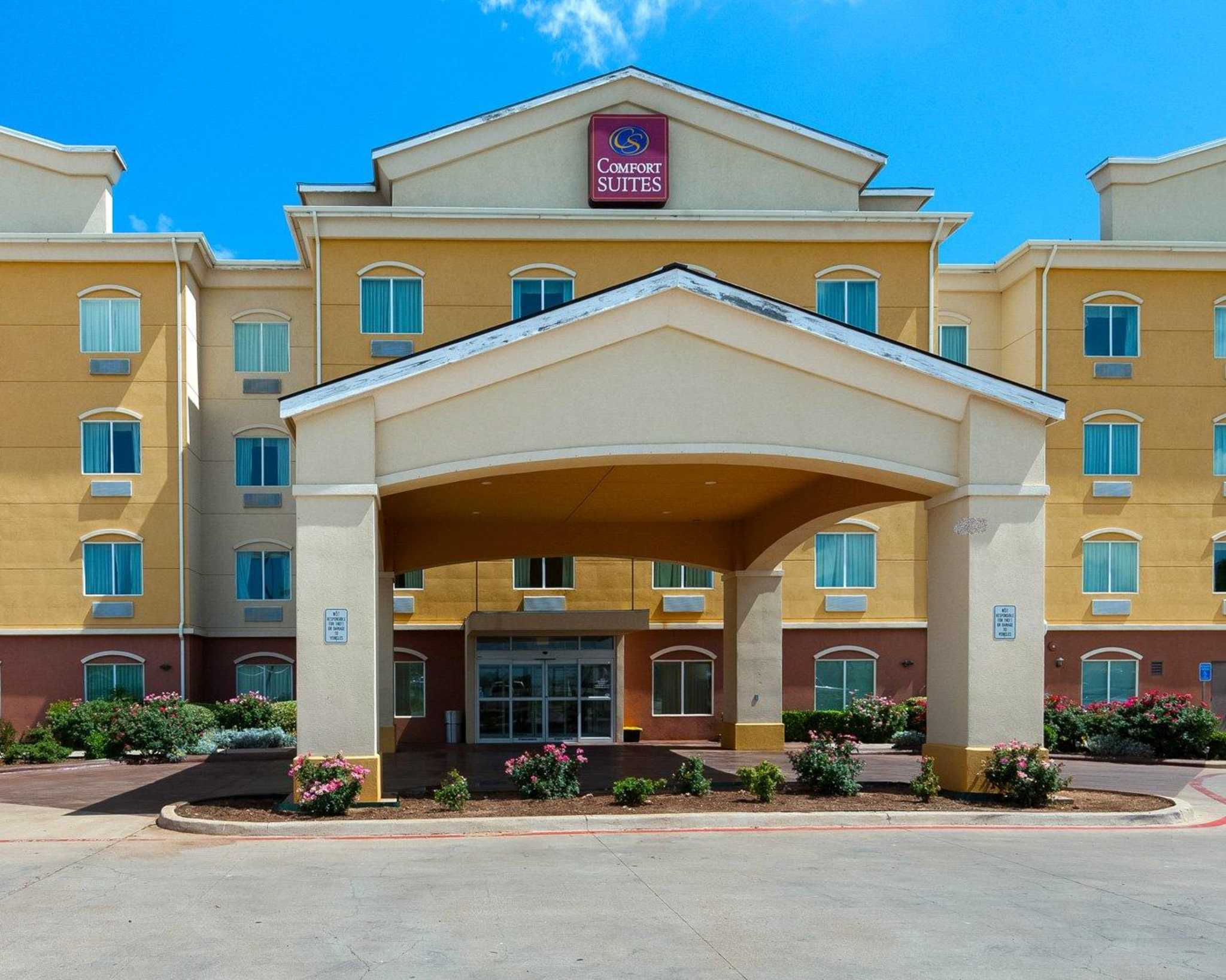 Hotels Near M Eq