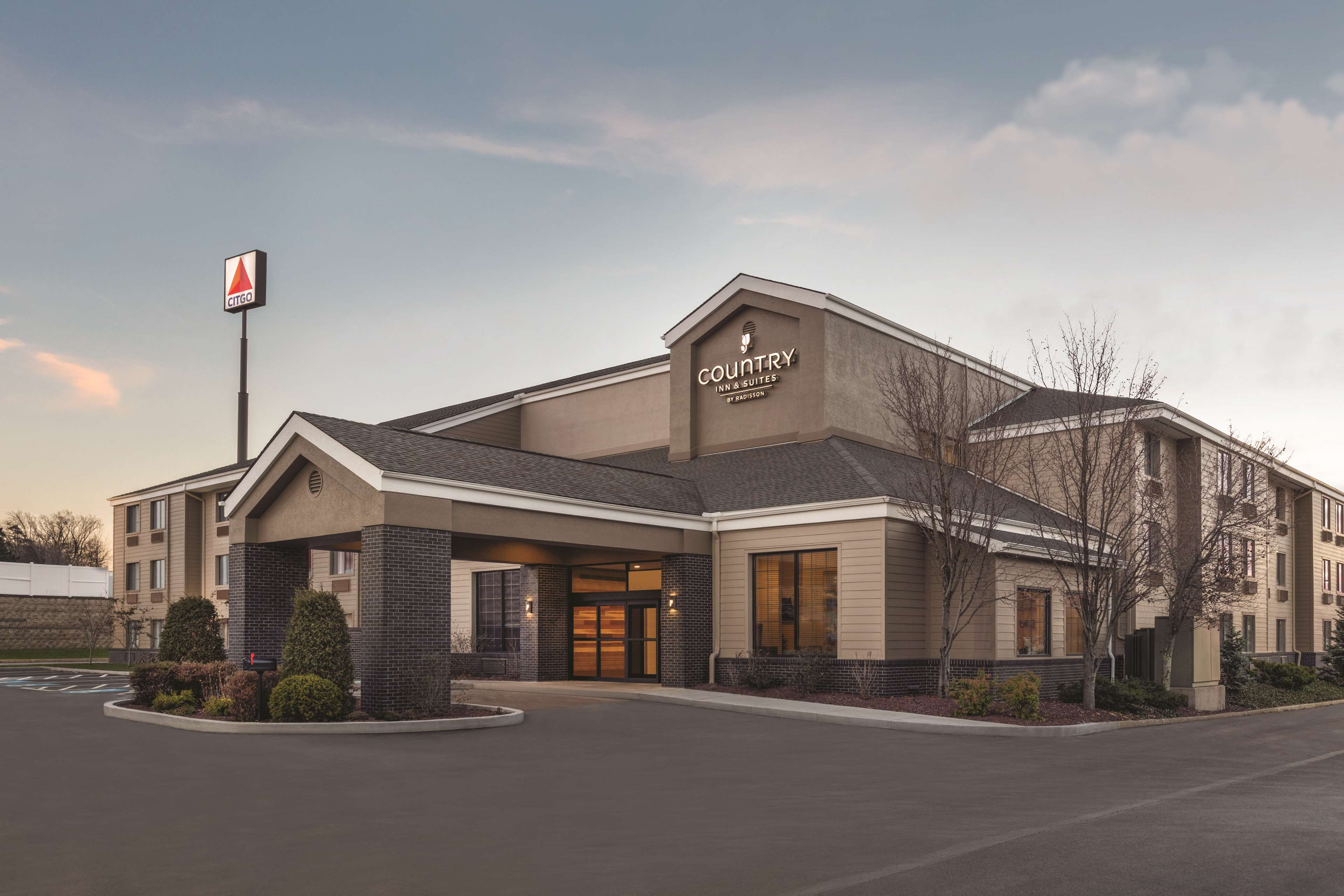 Country Inn & Suites by Radisson, Erie, PA
