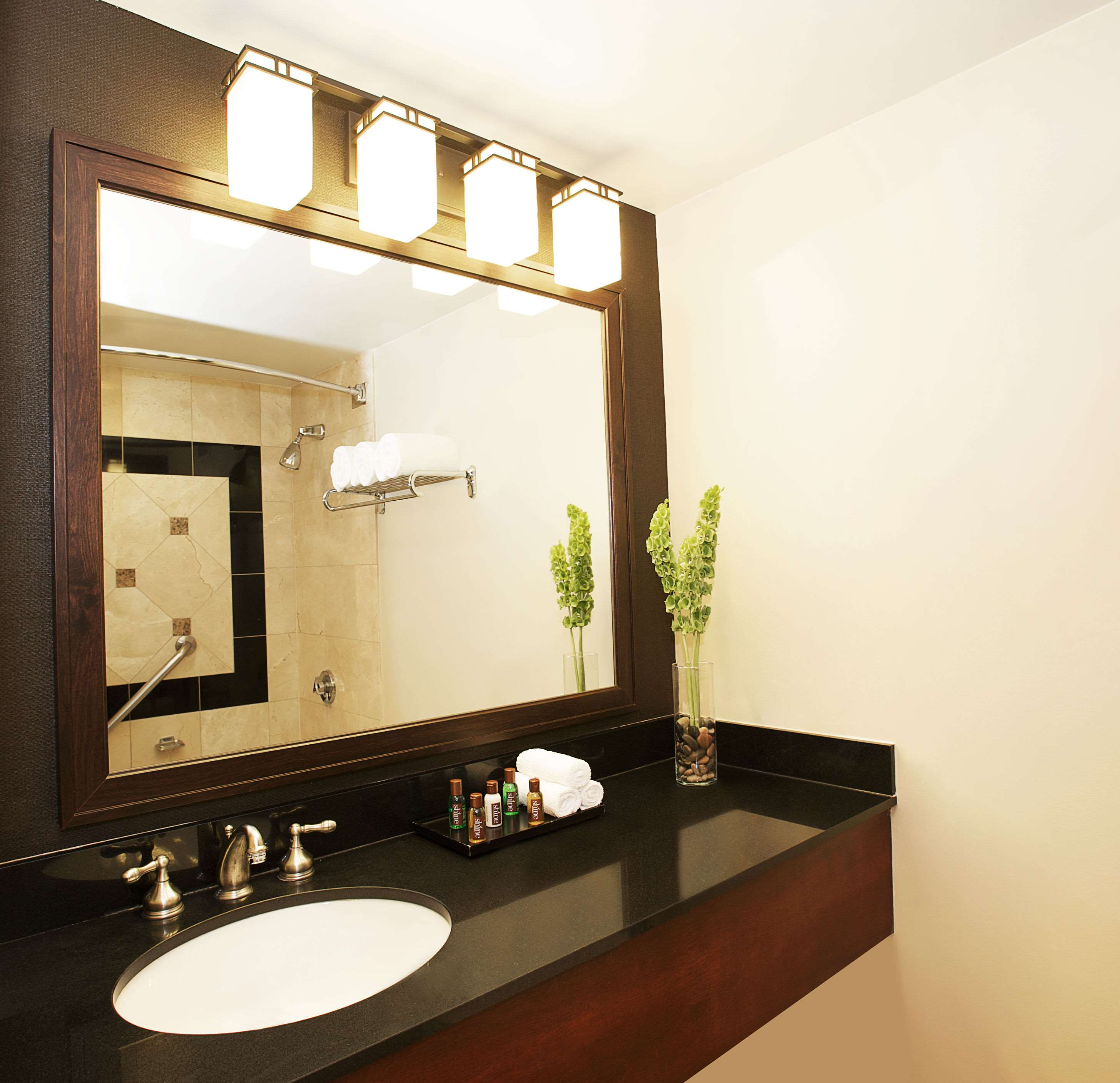 Quality Suites Anchorage Hotel