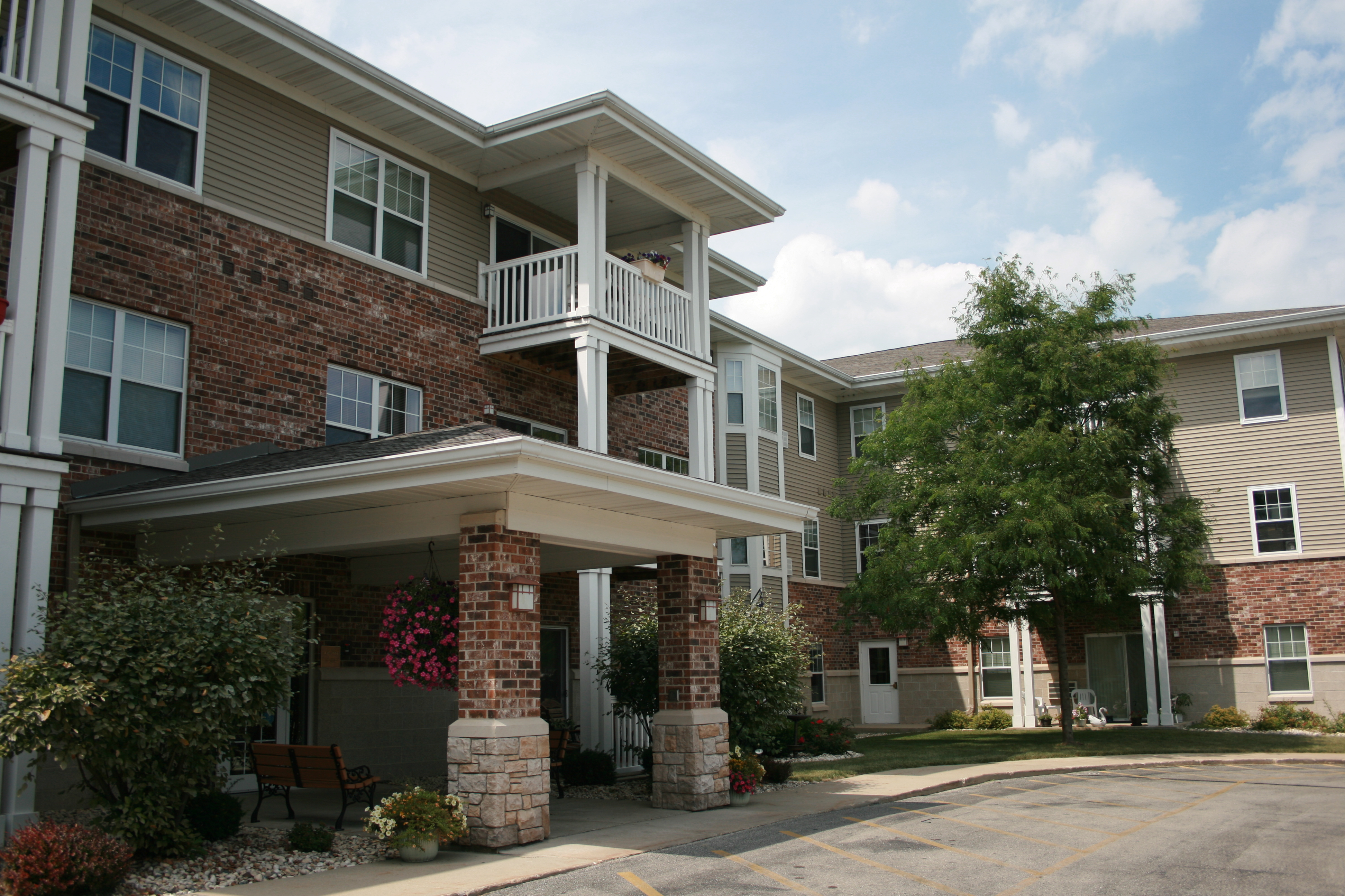 Greenfield Village Apartments Greenfield Wi
