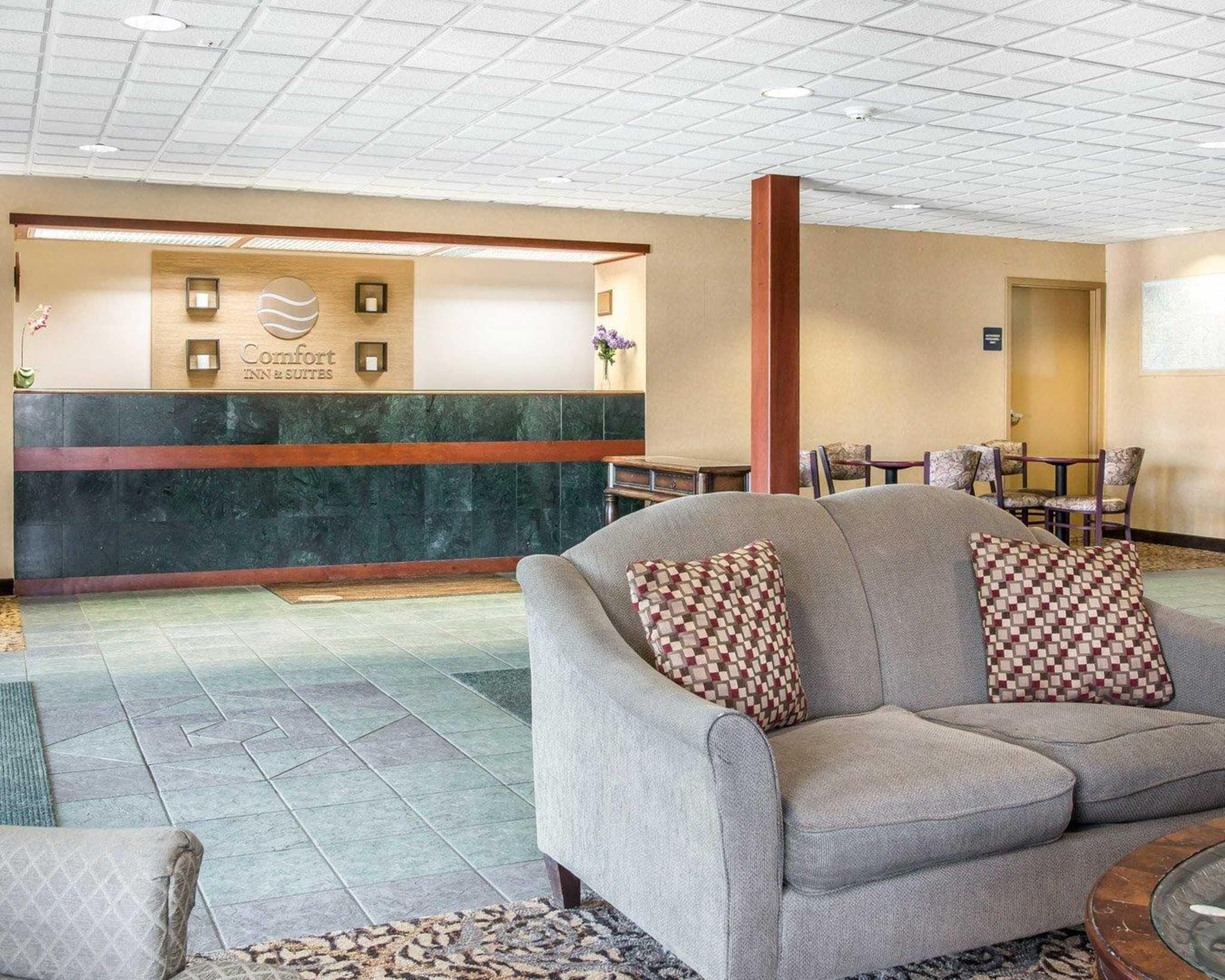 fort Inn & Suites Maumee Toledo I80 90 Maumee Ohio OH LocalDatabase
