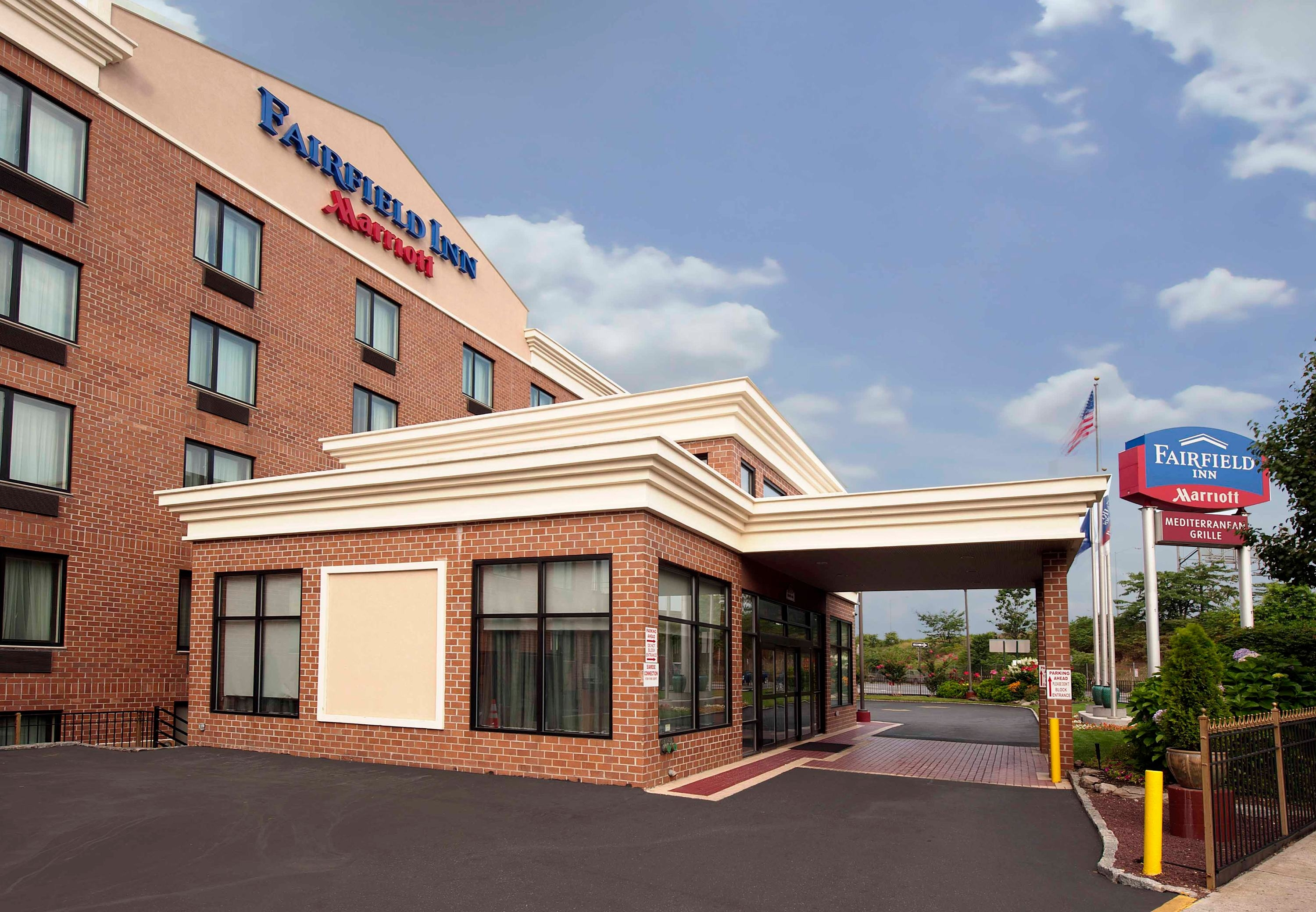 Fairfield Inn by Marriott New York JFK Airport 156-08 Rockaway Blvd. (718) 977-3300