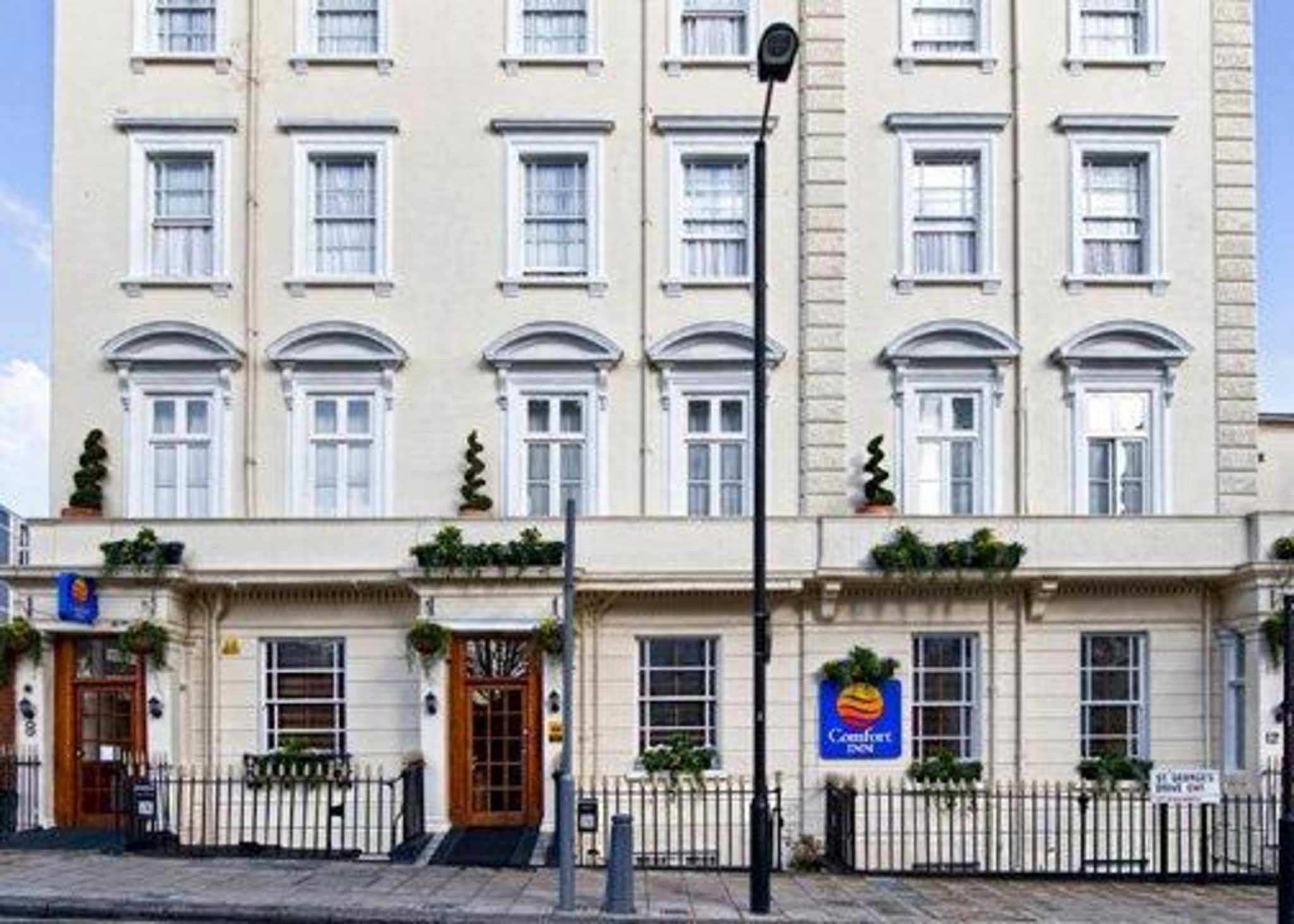 Comfort Inn Buckingham Palace Road - Closed - London, London SW1V 4BJ - 020 7834 2988 | ShowMeLocal.com