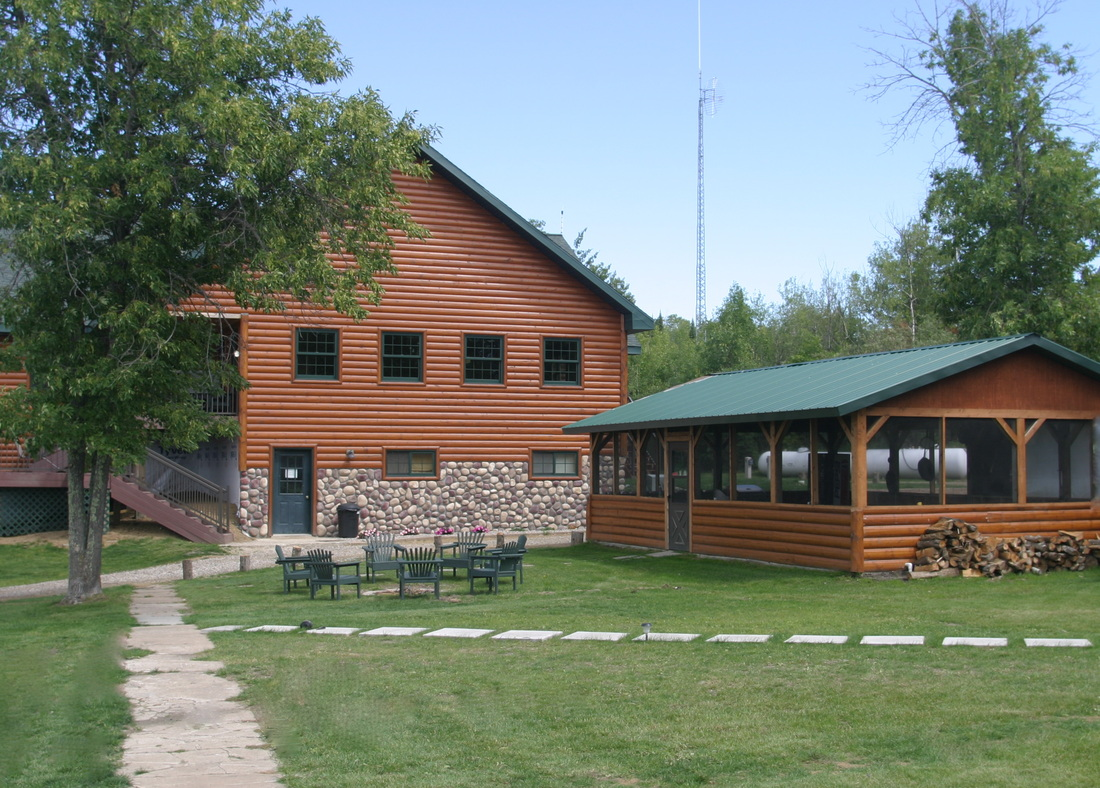 Sunset lodge in oak island mn 56741 for Lodge fish house