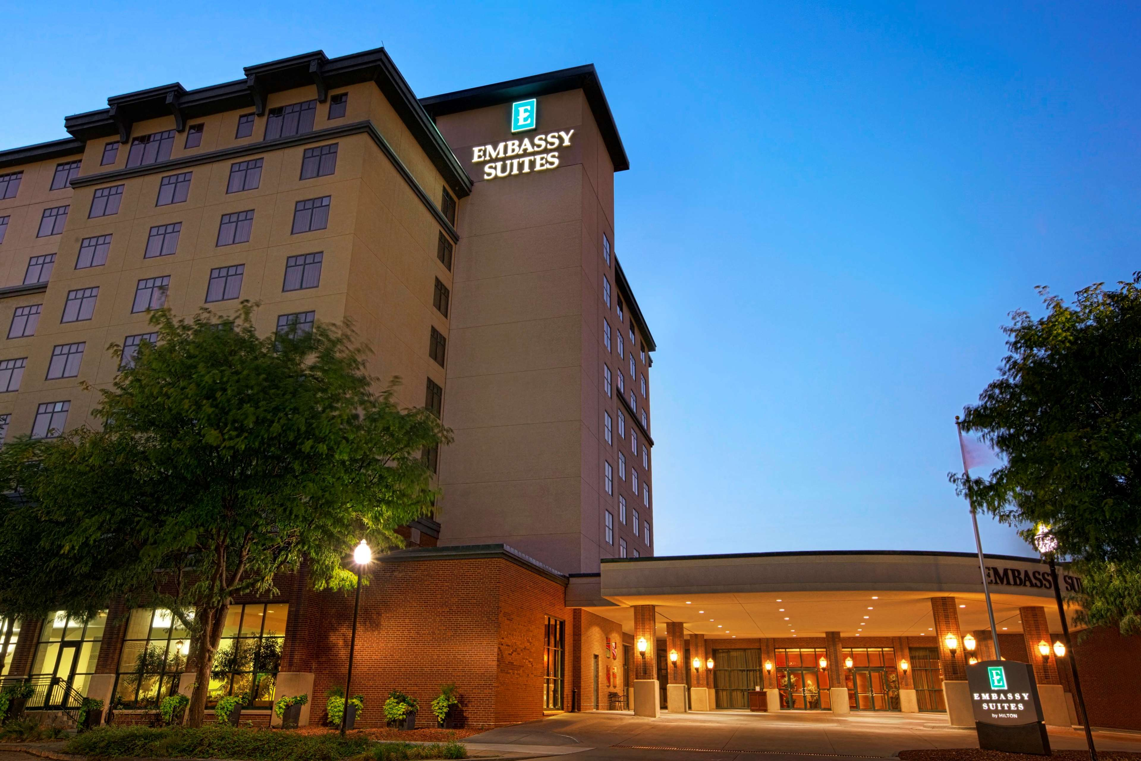 Embassy Suites By Hilton Lincoln Lincoln Nebraska Ne